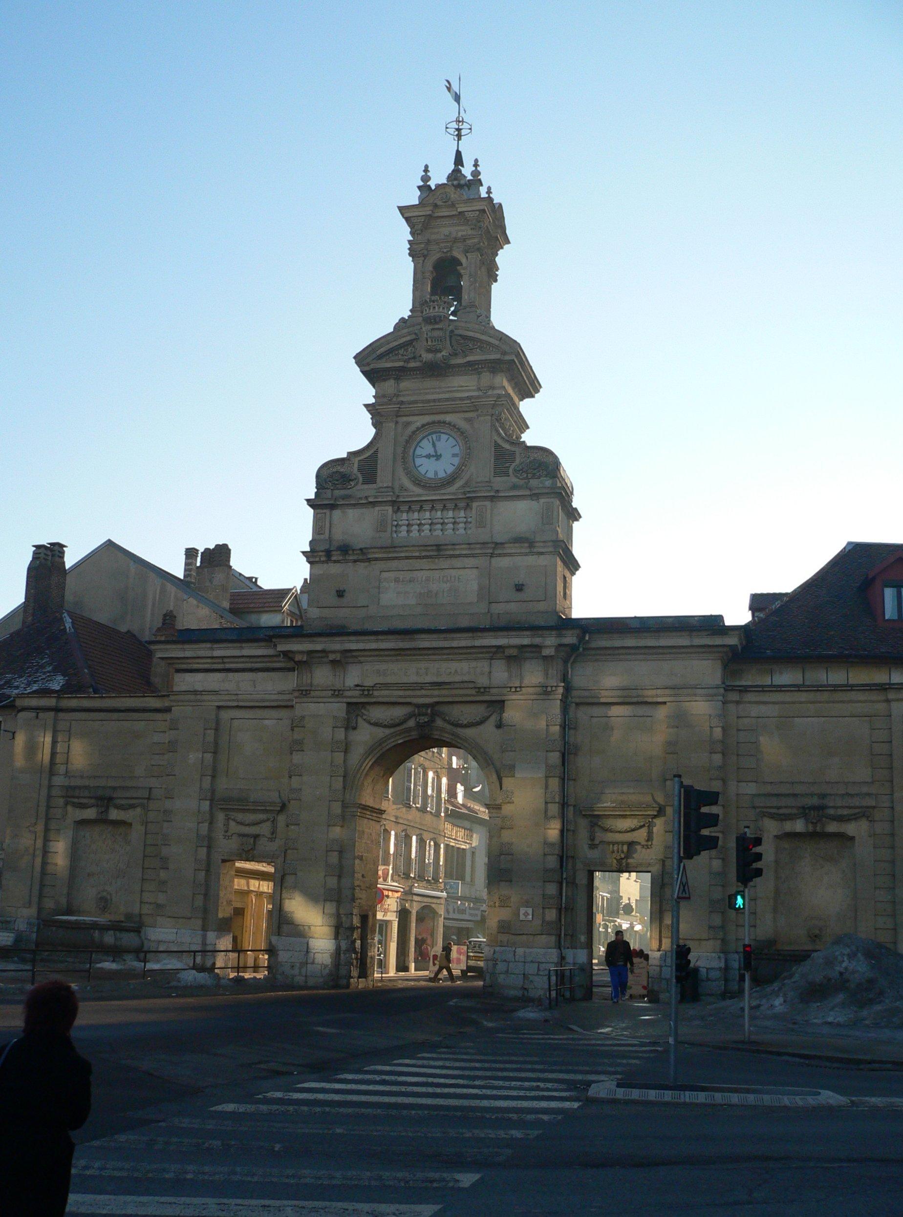 Pontarlier France  city photos gallery : Commerces de Pontarlier Haut Doubs Zone commerciale ...