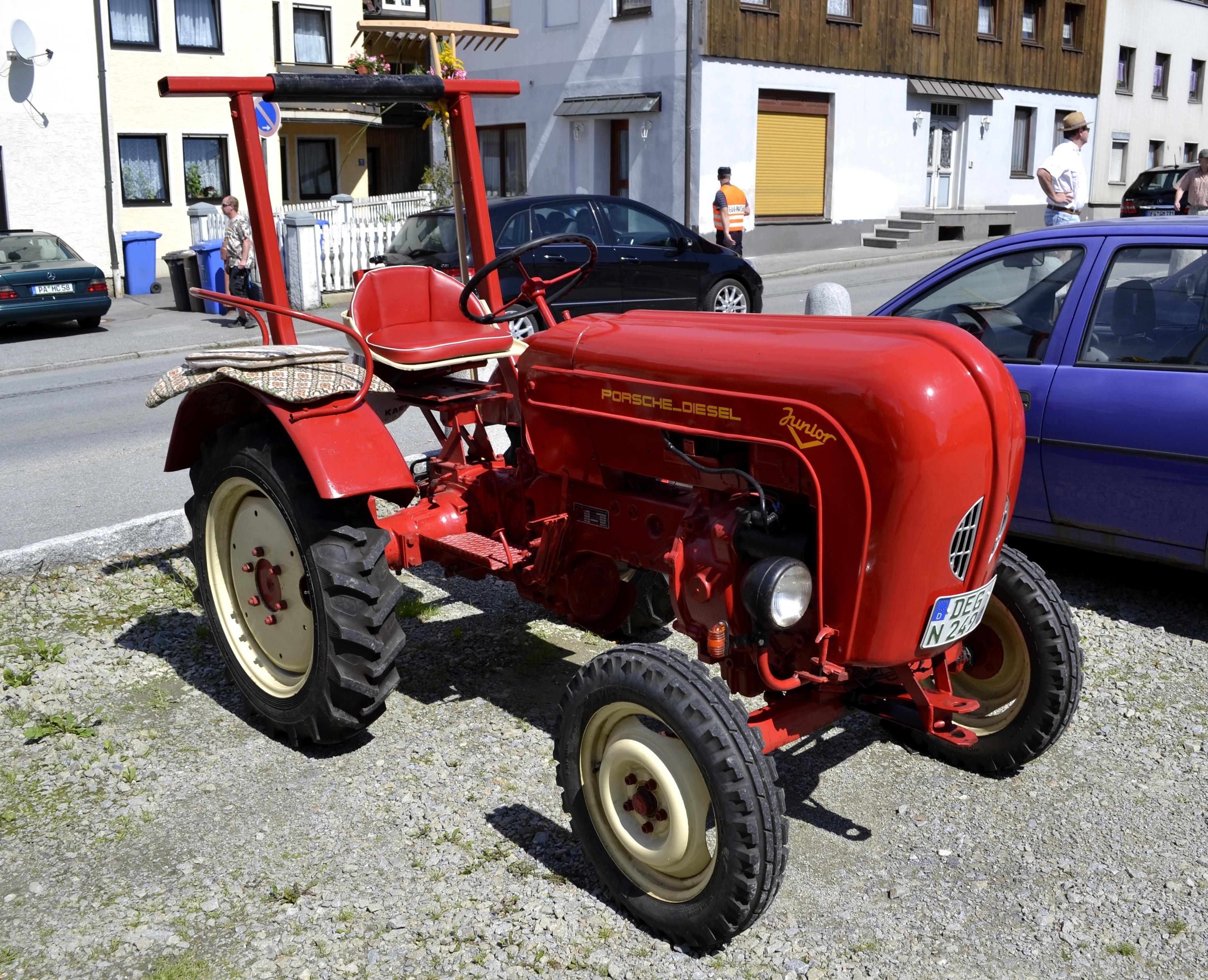 File porsche diesel junior traktor g wikimedia