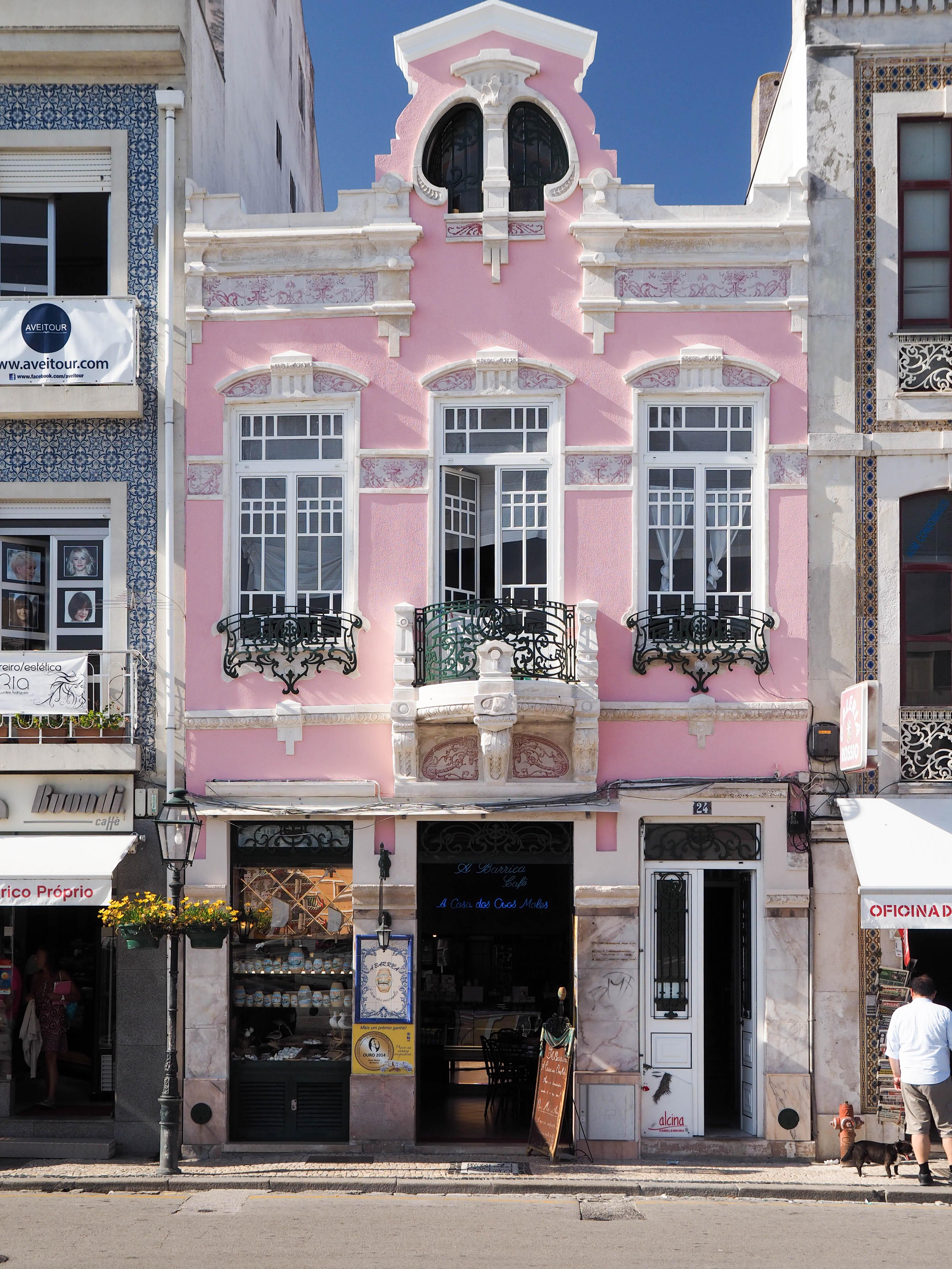Casa dos Ovos Moles a Barrica, um café em estilo Art Nouveau