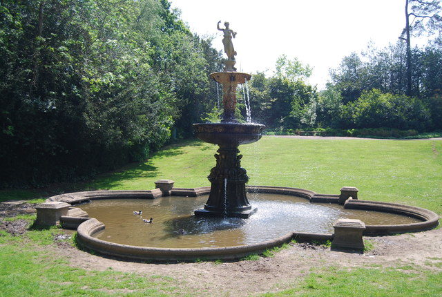 Pulhamite and Terracotta Fountain, Dunorlan Park-geograph-4205404