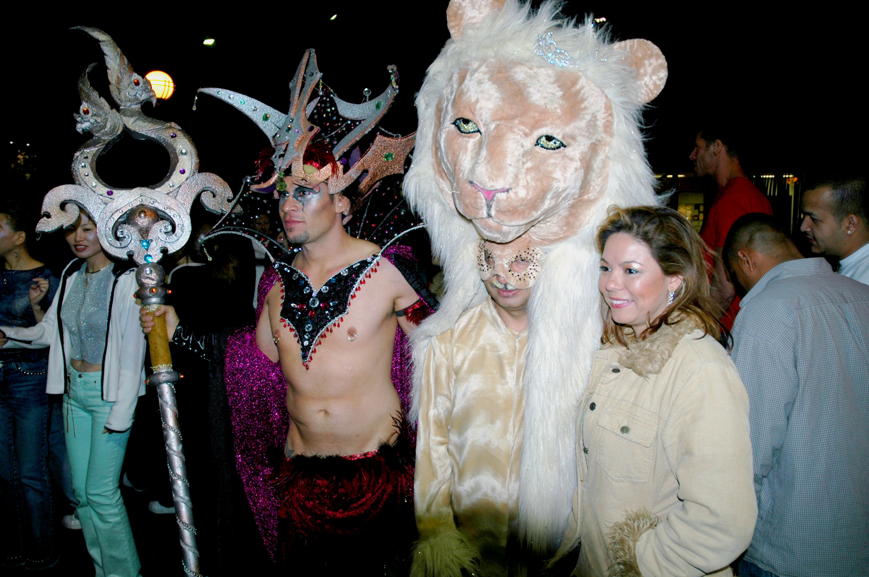 file:revelers - 2004 west hollywood halloween carnival