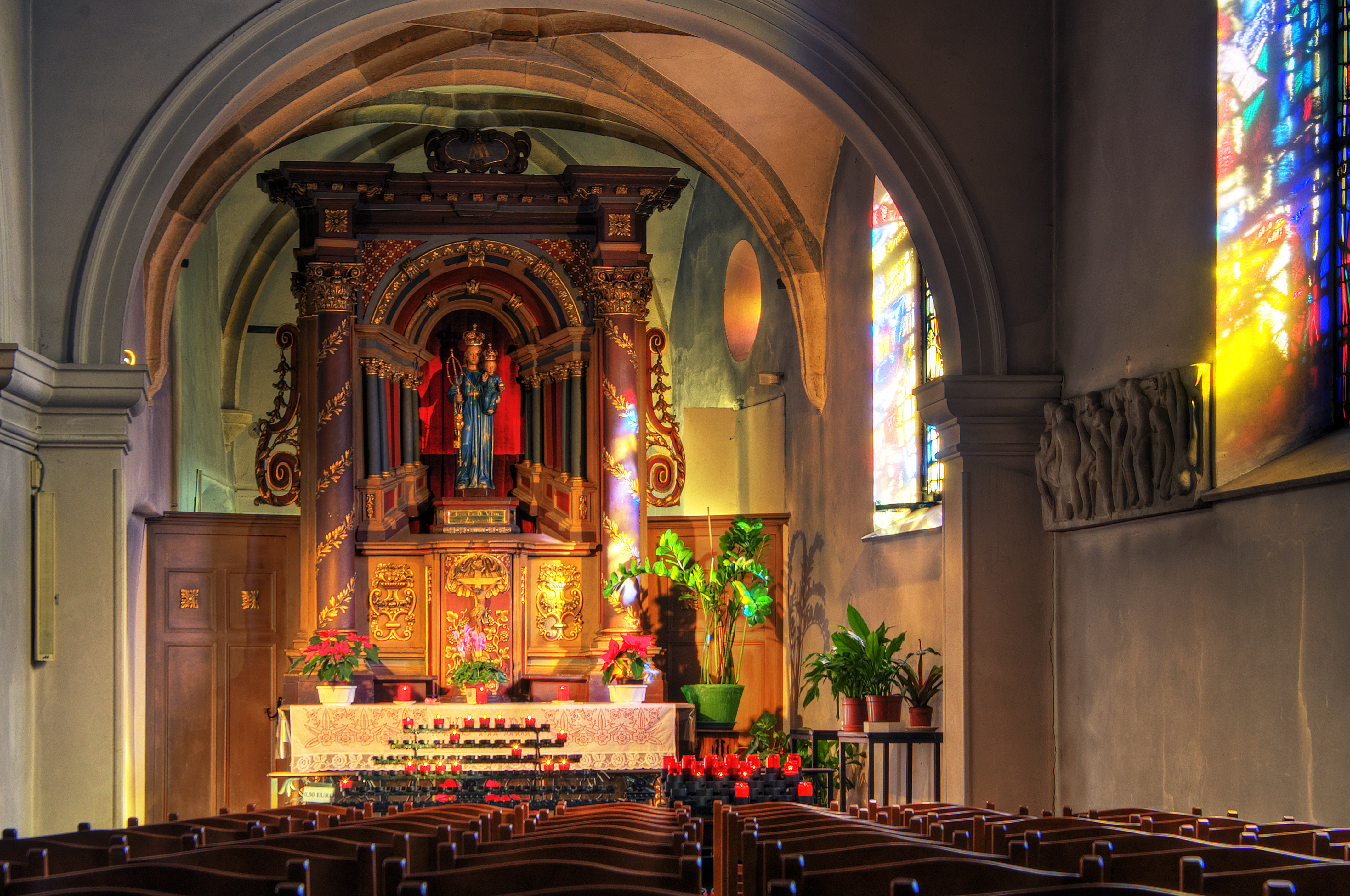 catholic single women in luxemburg Older women wield considerable informal authority, in part because they constitute a high percentage of the population: about 12 percent of native-born luxembourgers are.