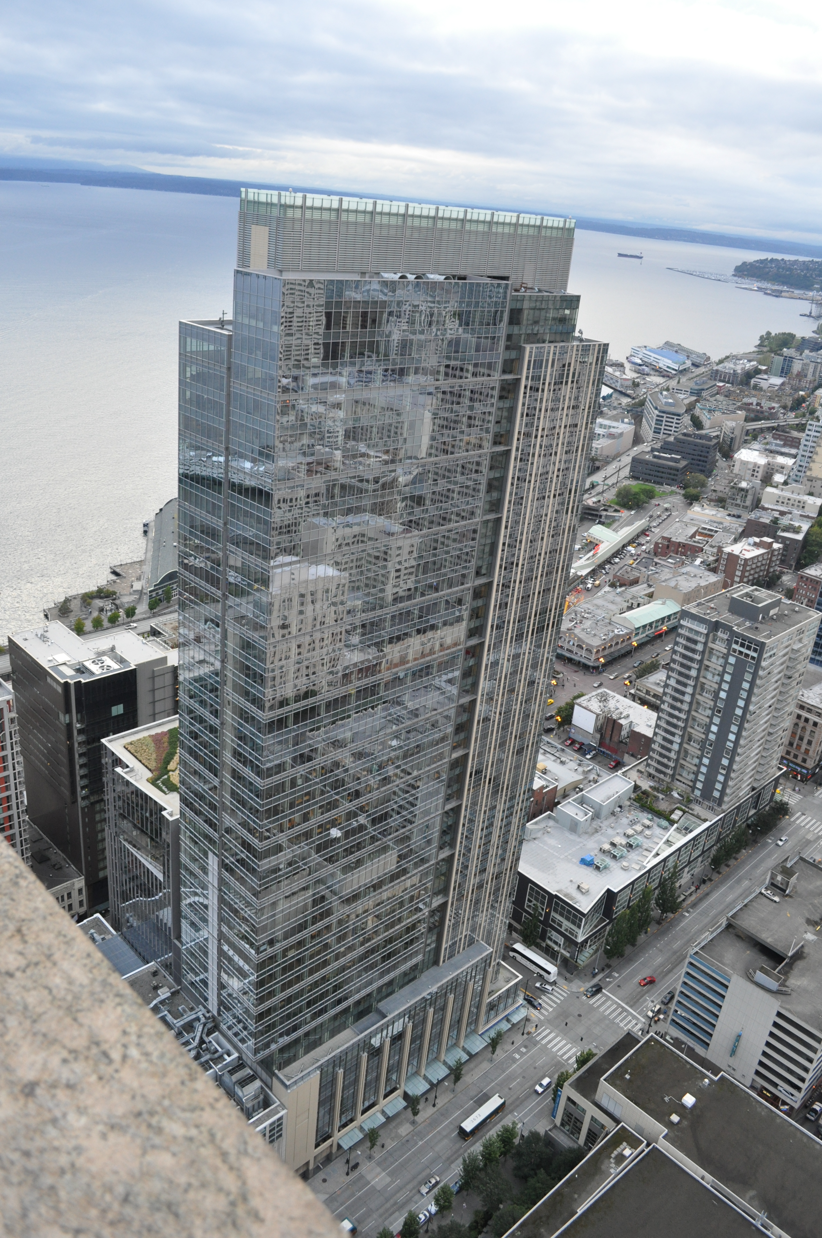 File Seattle Russell Investments Center From 48th Floor Of 1201 Third Avenue Jpg Wikimedia