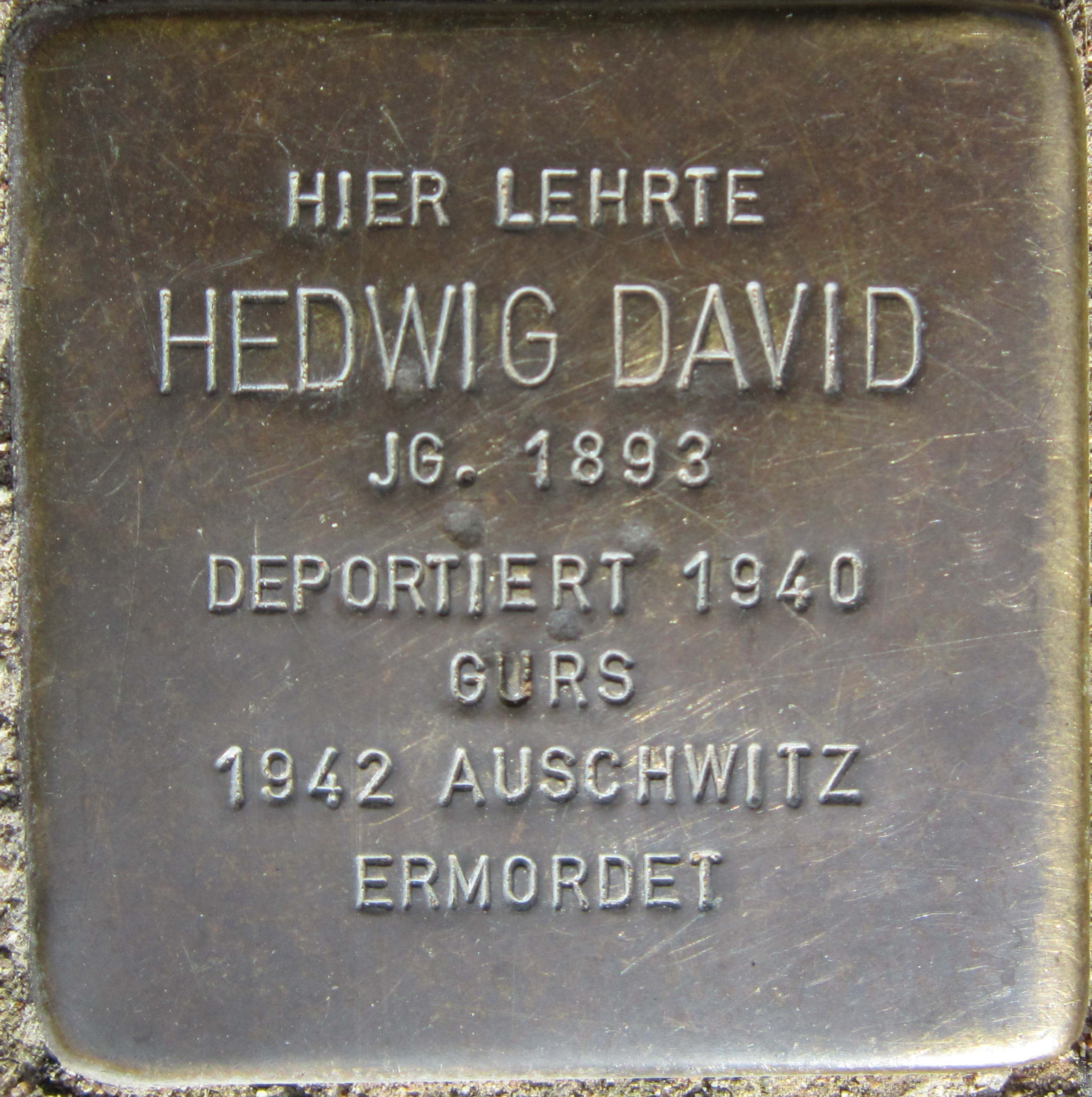 https://upload.wikimedia.org/wikipedia/commons/d/d2/Stolperstein_Pforzheim_David_Hedwig.jpeg