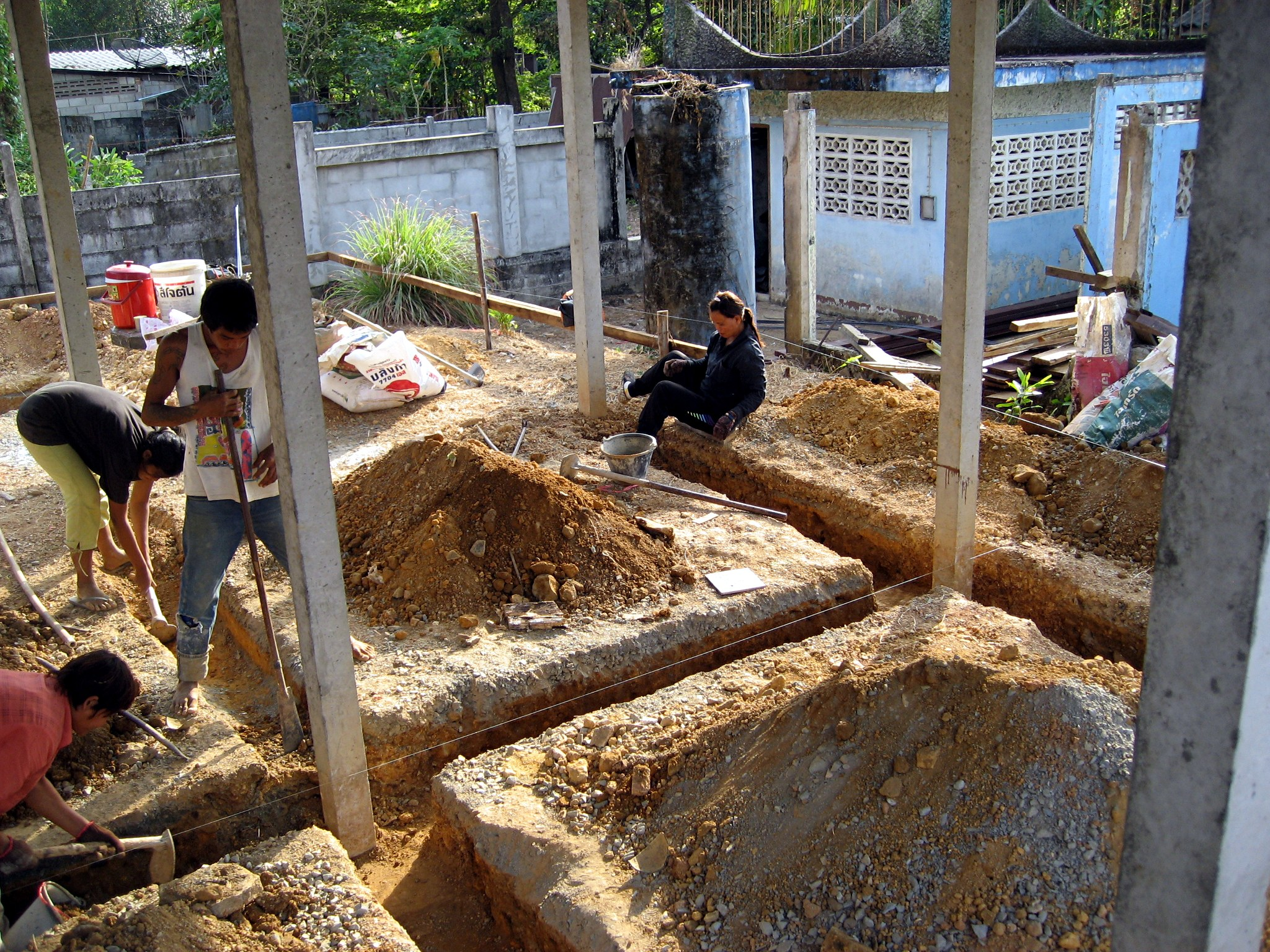 File Thai House Concrete Footing Trenches Jpg Wikimedia Commons