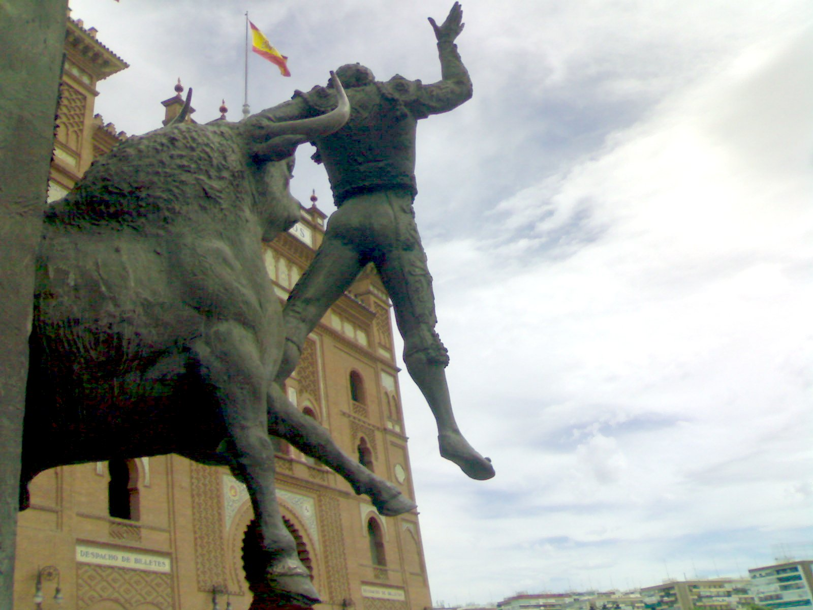 http://upload.wikimedia.org/wikipedia/commons/d/d2/Toros_in_Spain.jpg