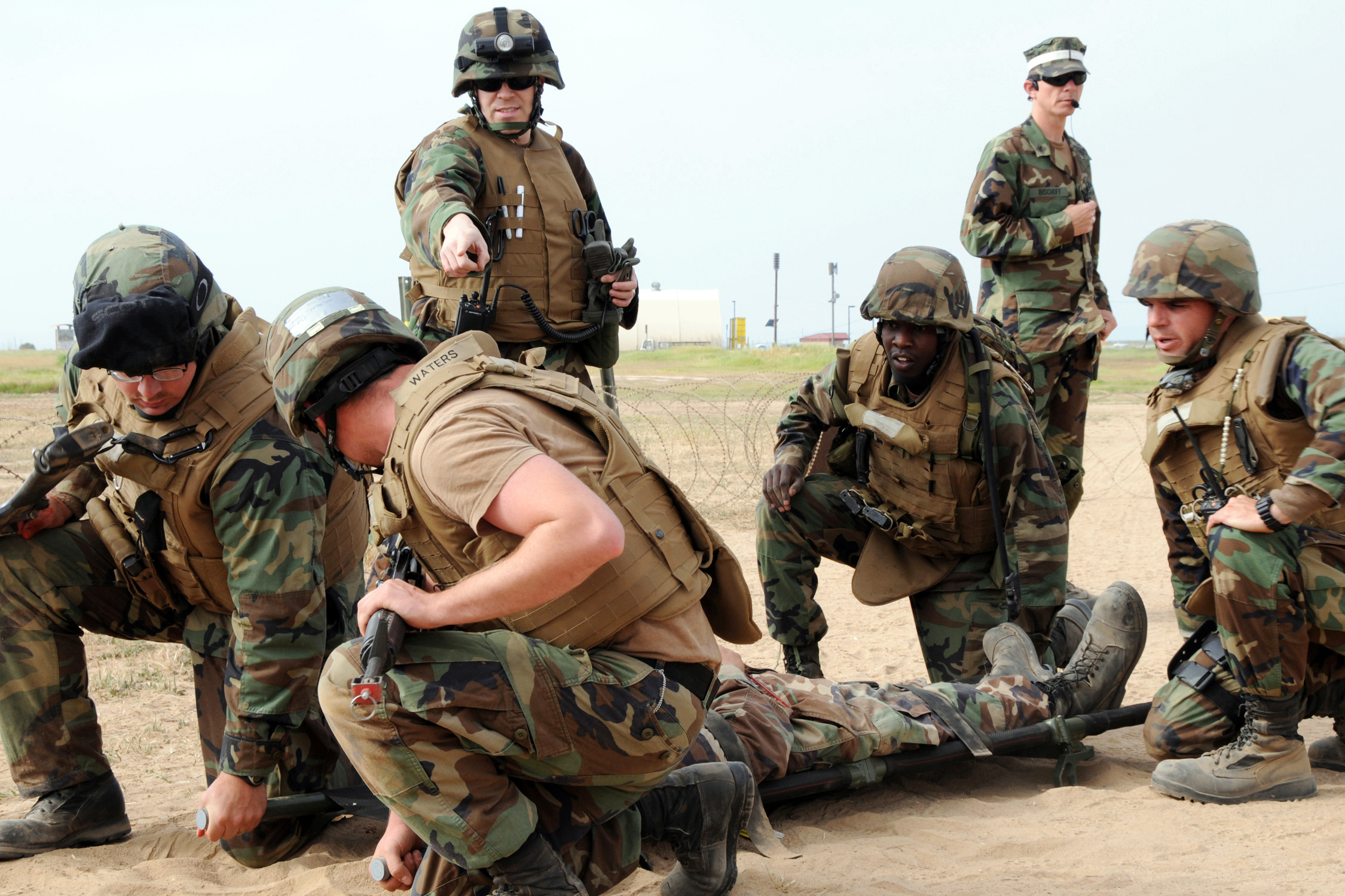 File:US Navy 090402-N-1424C-023 Hospital Corpsman 1st ...