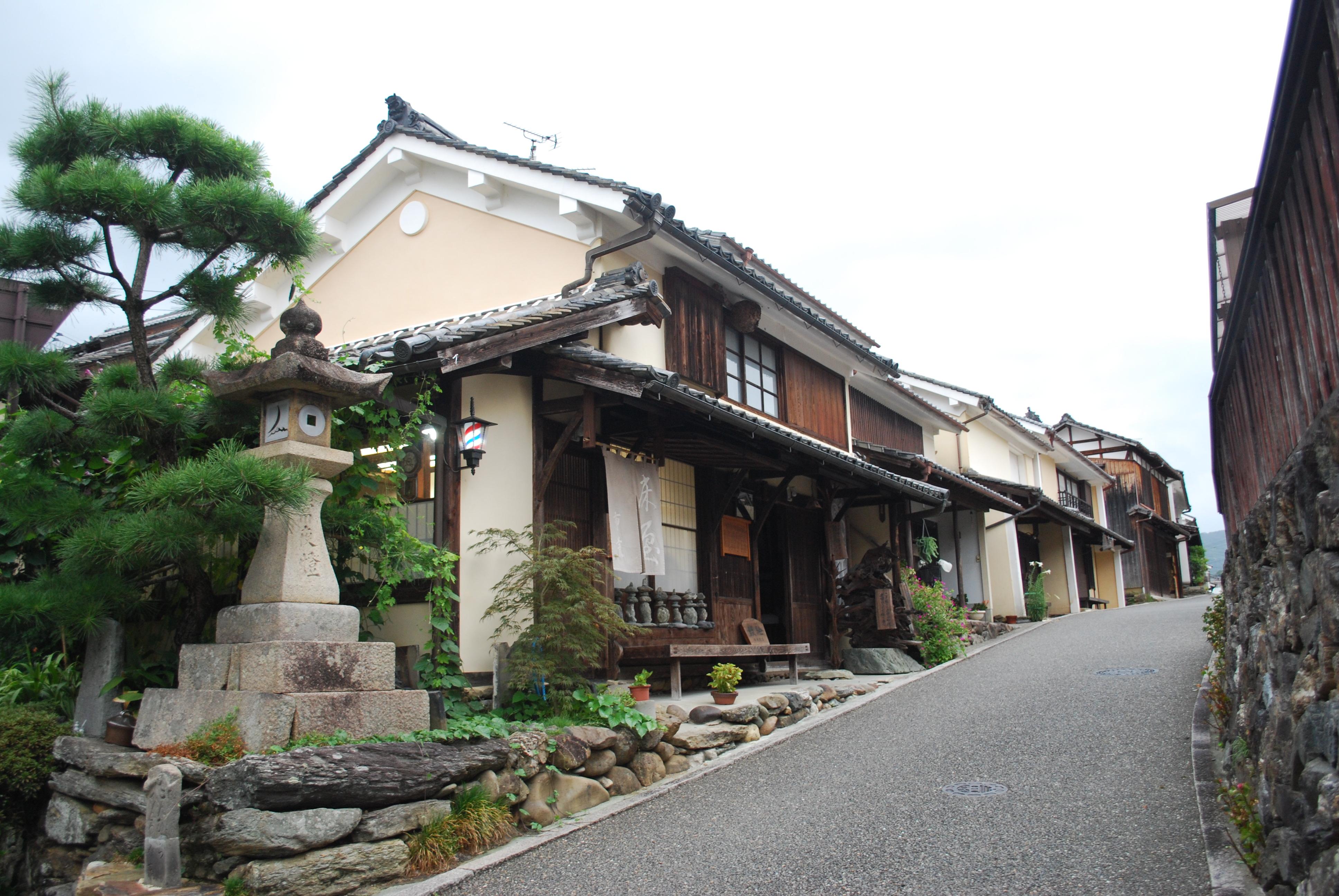 file uchiko1 uchiko town japan jpg wikimedia commons