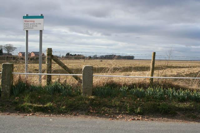 Warning sign, Pilling Marsh - geograph.org.uk - 1757945