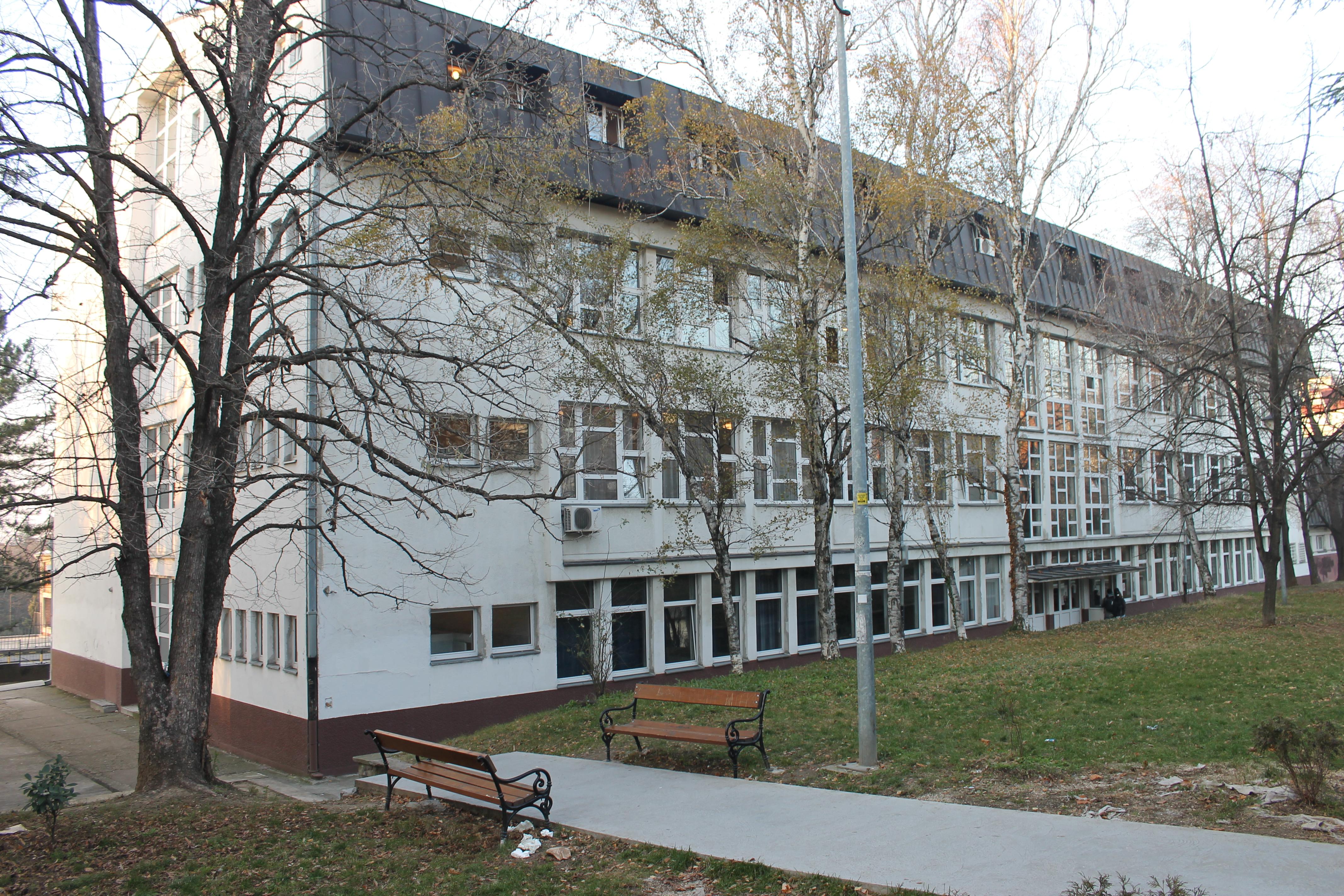 Trinaesta Beogradska Gimnazija Vikipediјa Slobodna Enciklopediјa