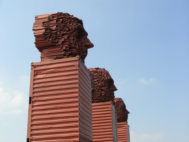 ''Big Heids'', Lanarkshire, a tribute to the  steel industry