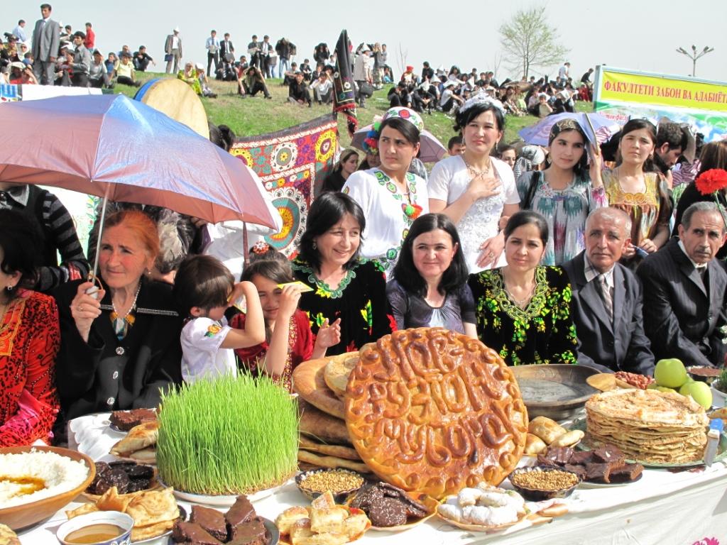 просторах таджички в празднике навруз фото постараться ручным венчиком