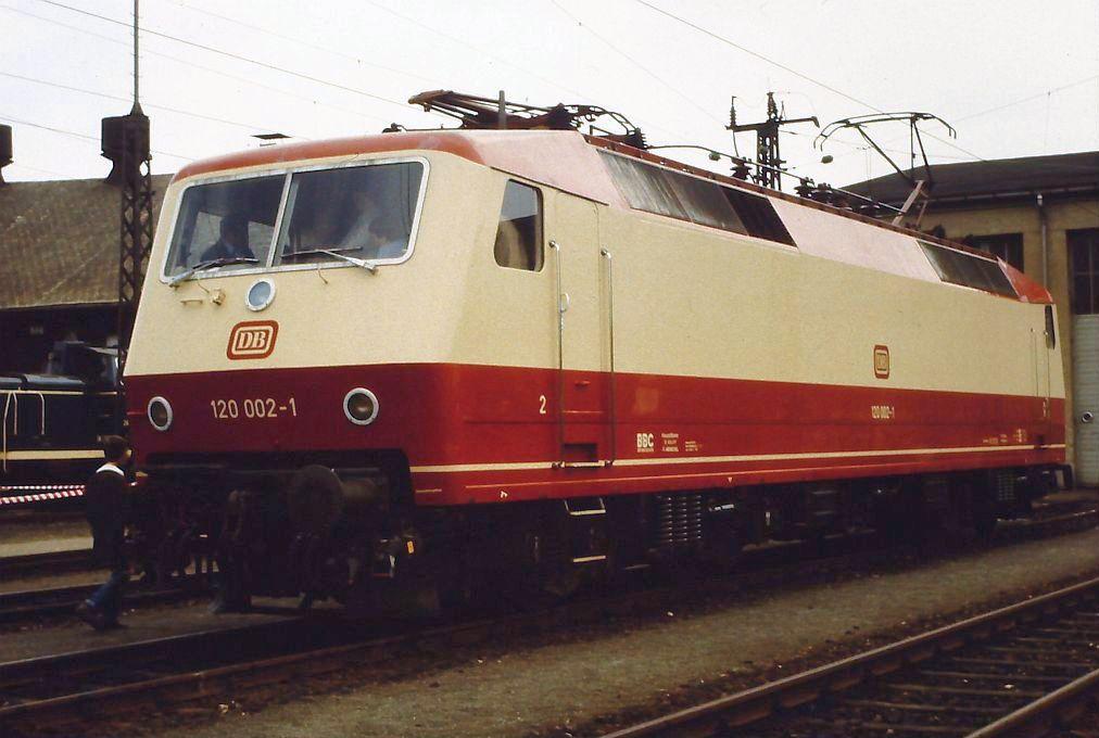 120-002.jpg