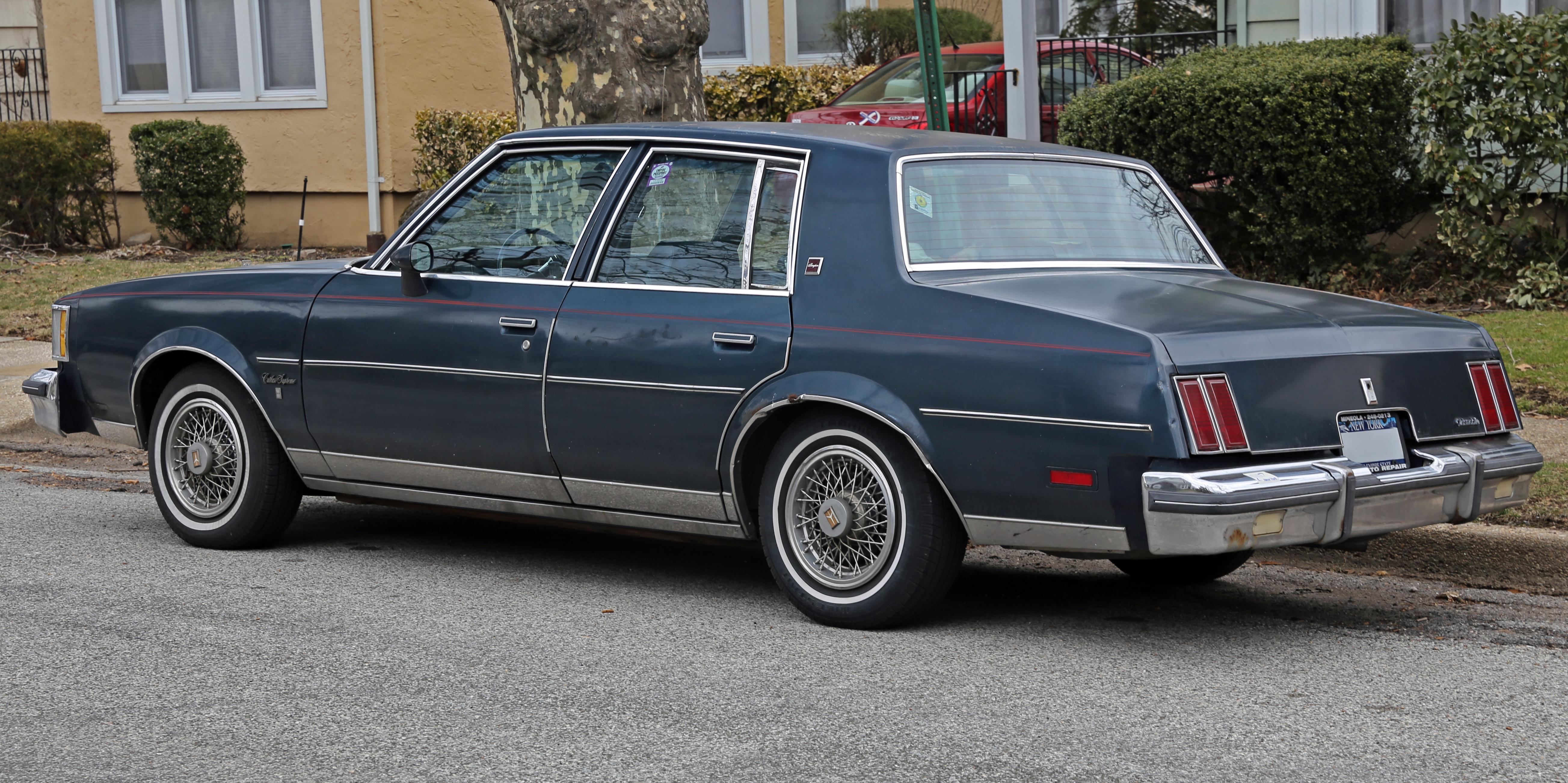 File 1986 oldsmobile cutlass supreme brougham sedan rear left jpg