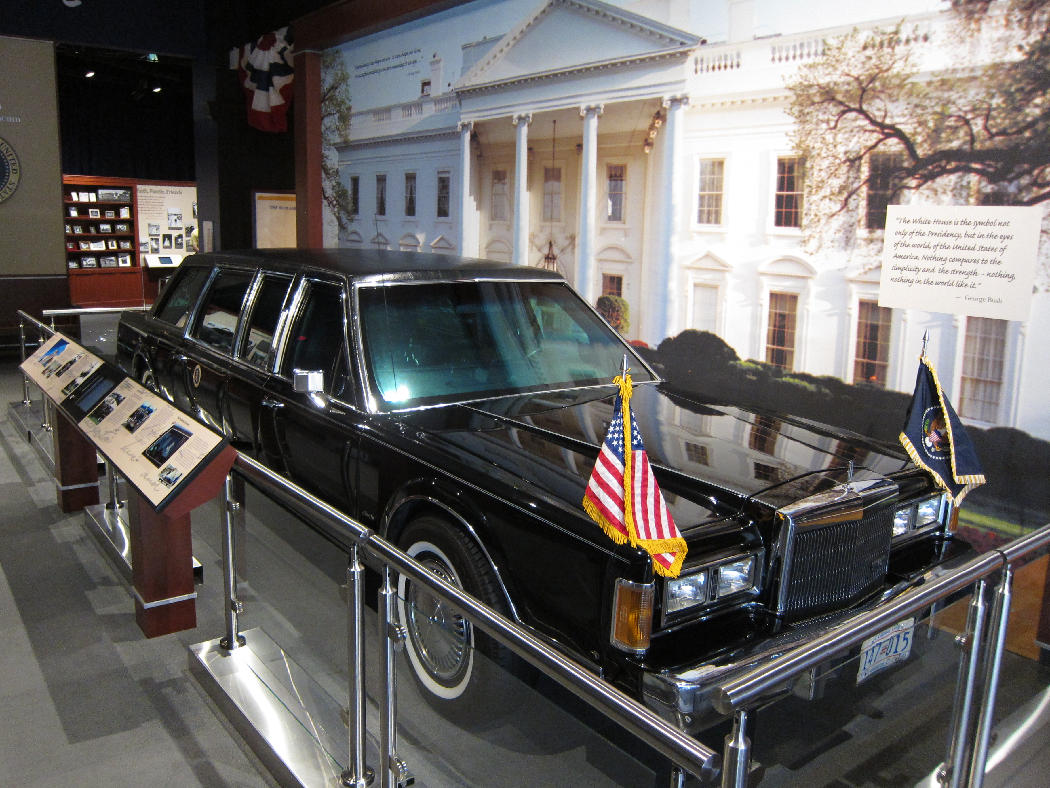 File 1989 Lincoln Town Car George Bush Library Jpg