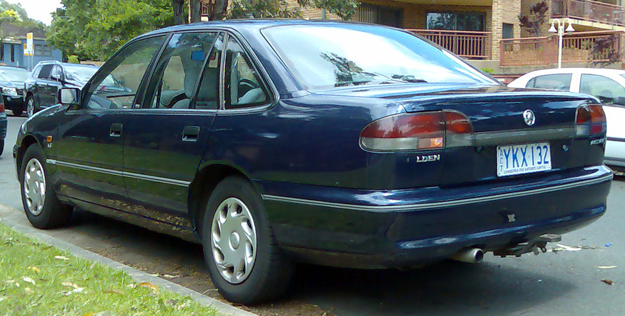 File:1995-1996 Holden VS Commodore Acclaim sedan 01.jpg