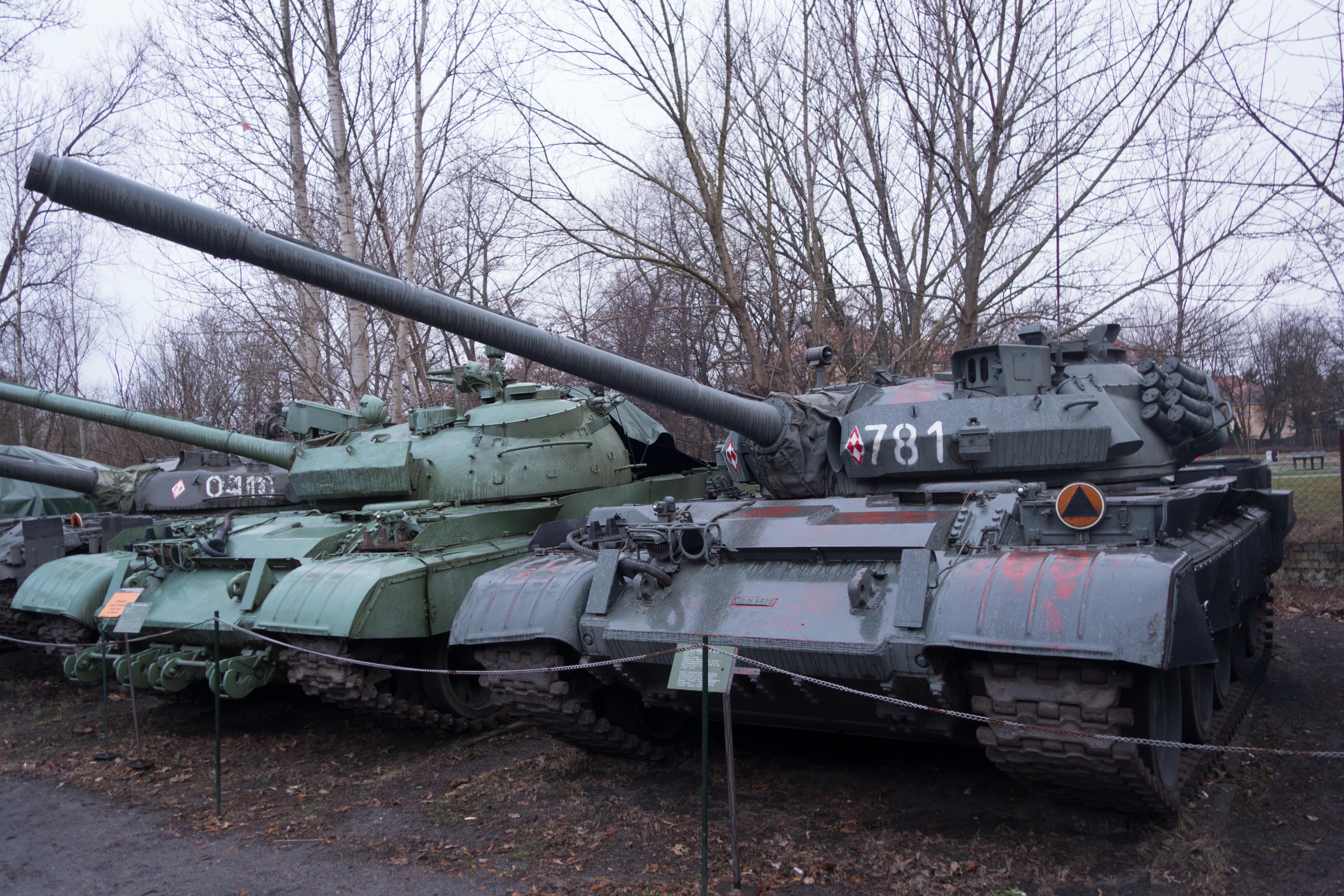 55AM_tank_(22905532890).jpg