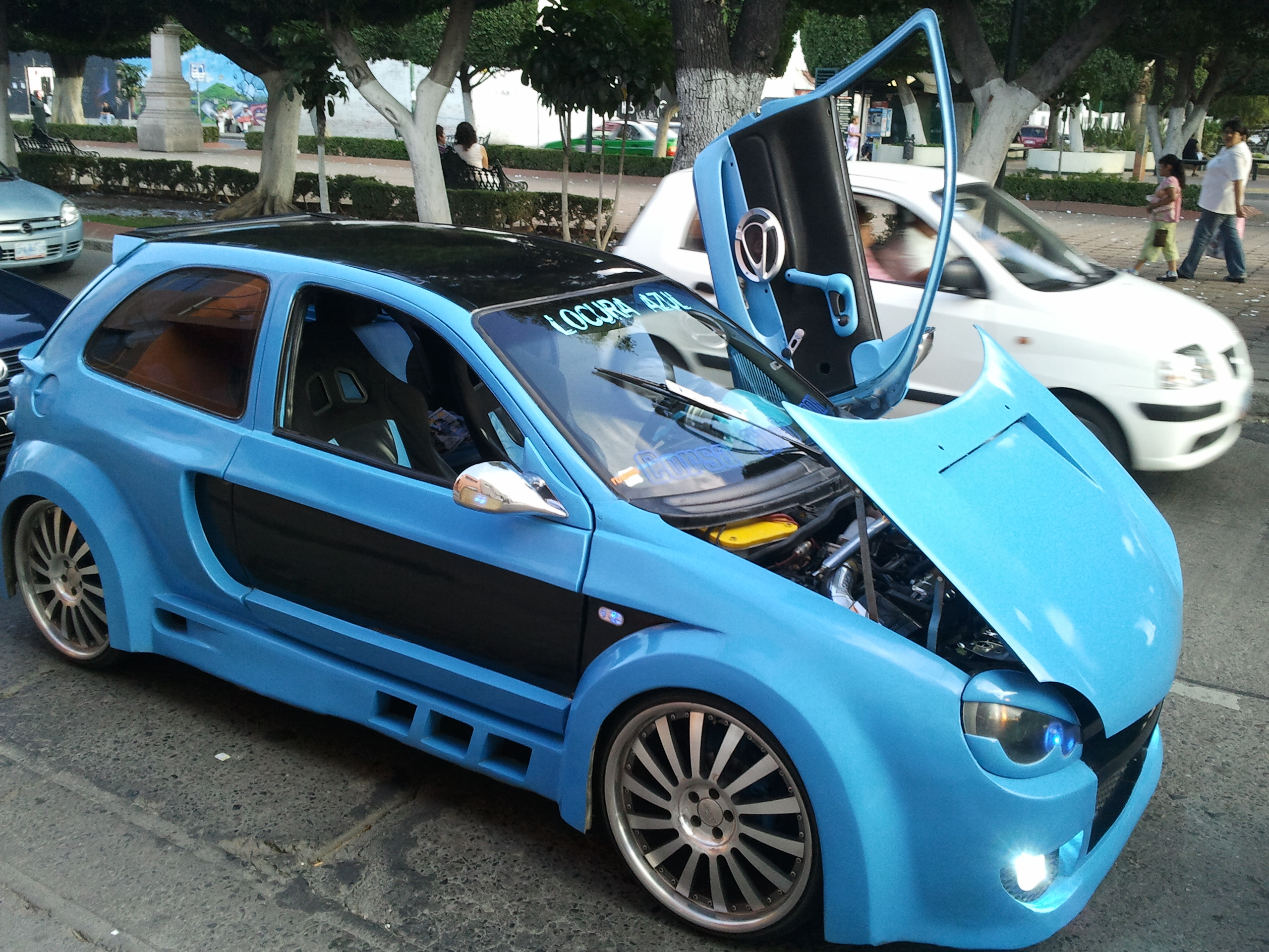 File A Modified Car Displayed In The Streets Of Leon