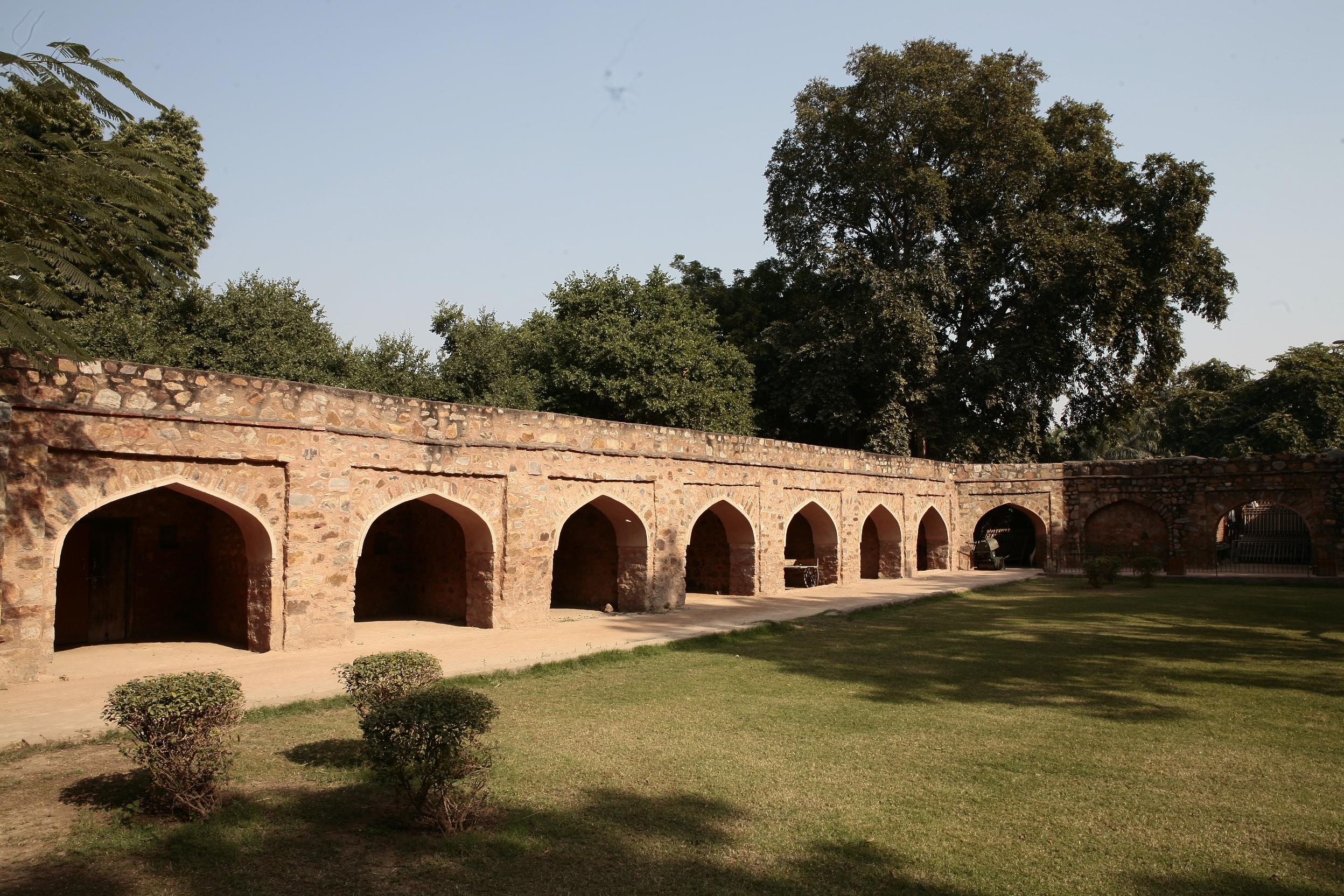 File Alauddin Khilji S Tomb Jpg Wikimedia Commons