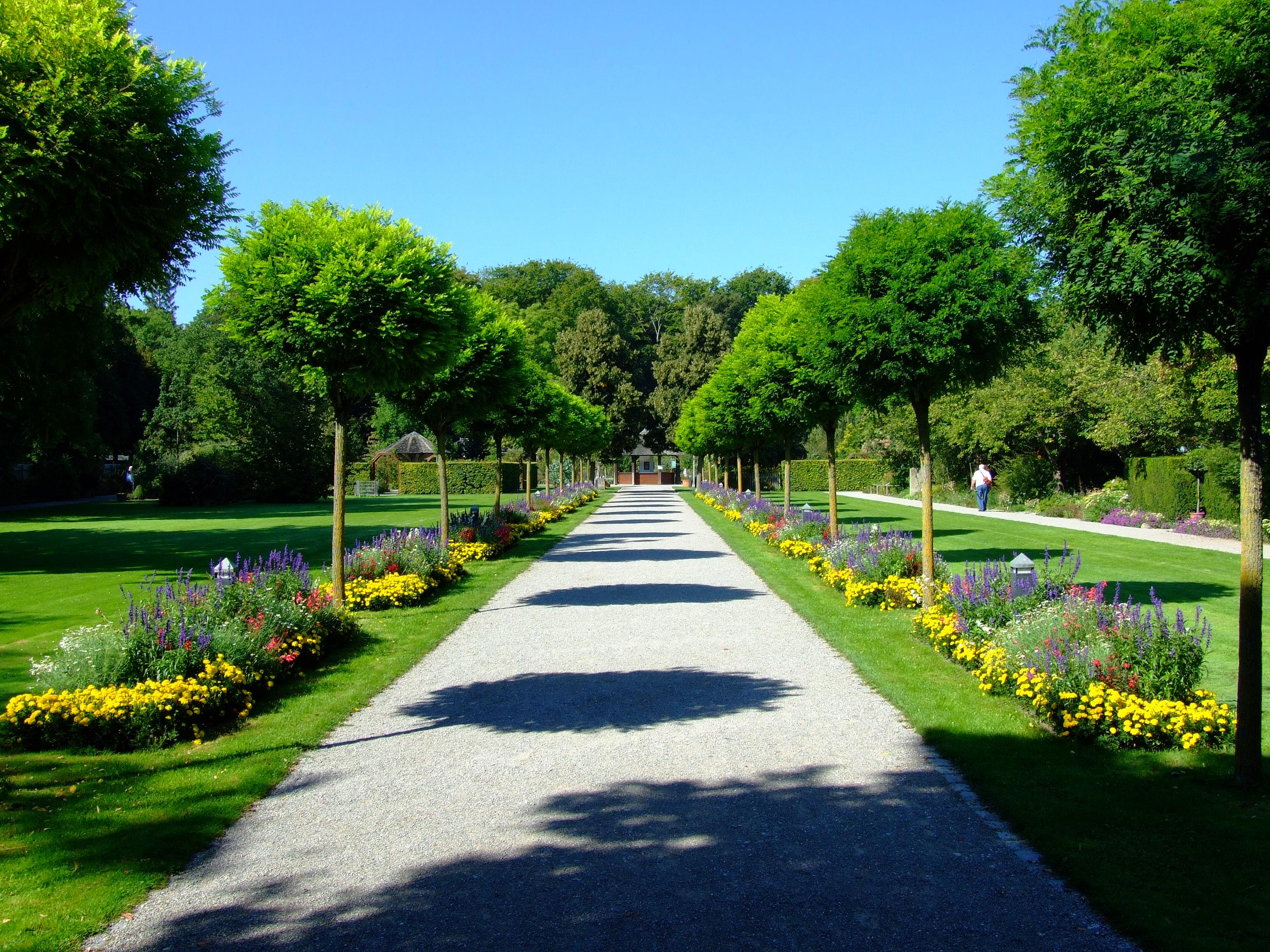 File:Augsburg Botanischer Garten.jpg