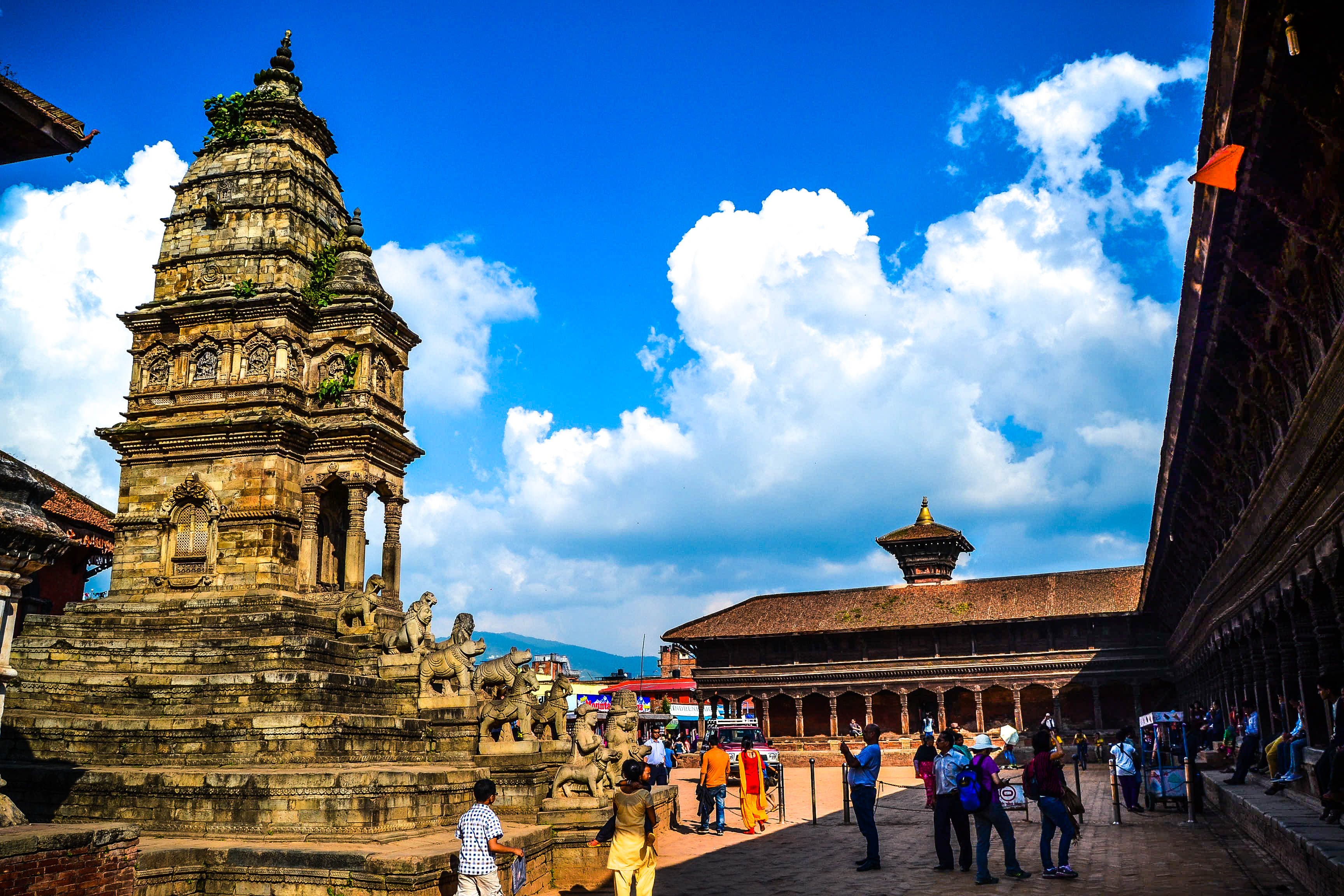 essay on bhaktapur durbar square Bhaktapur durbar square is a conglomeration of pagoda and shikhara-style temples grouped around a fifty-five window palace of brick and wood.