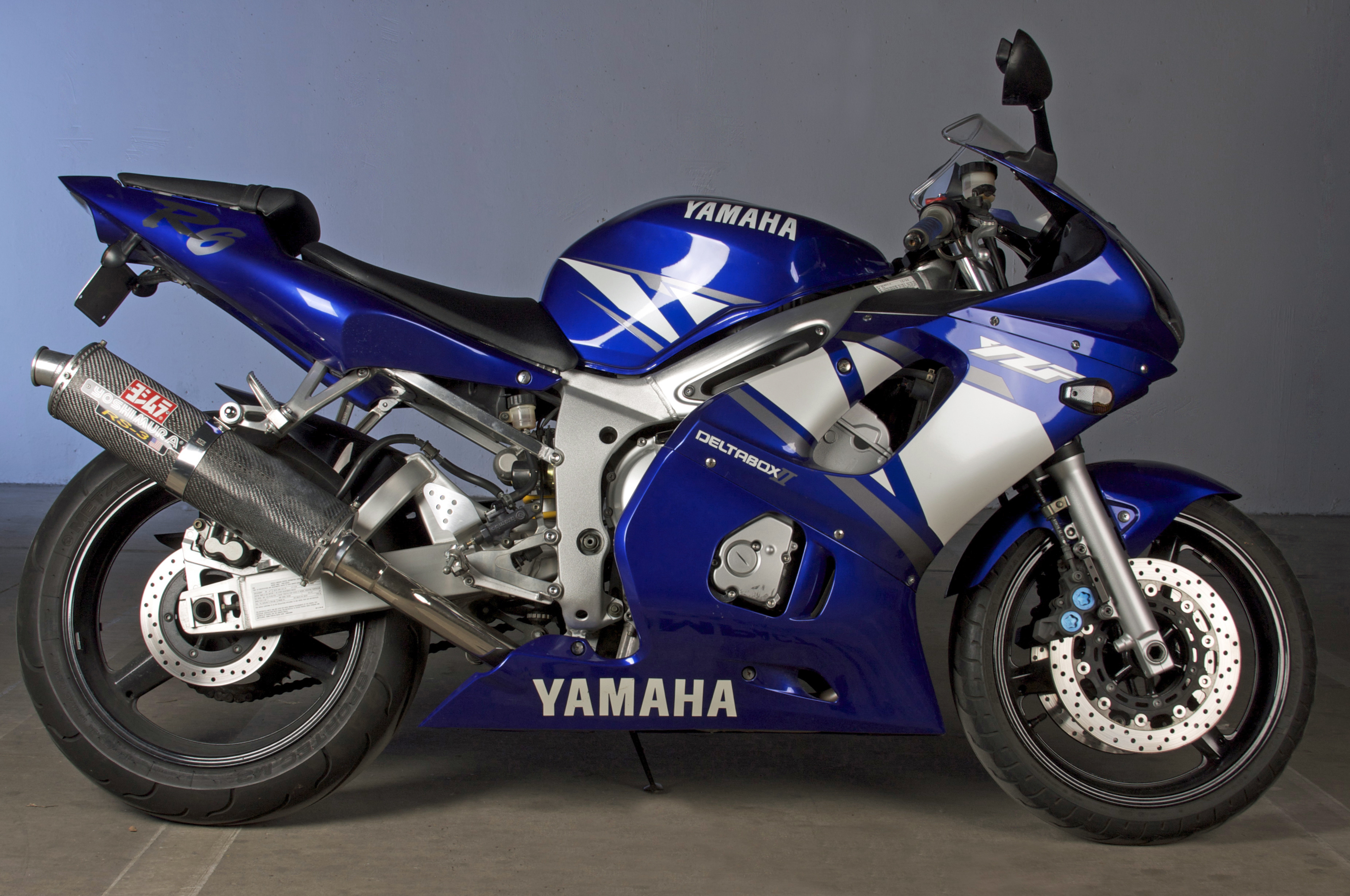 Yamaha R Short Exhaust