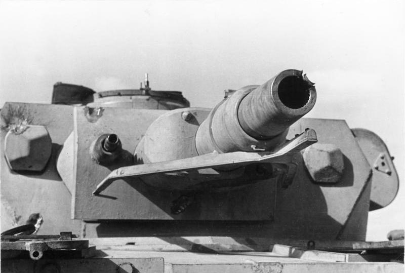 Panzer  IV Bundesarchiv_Bild_101I-783-0117-113,_Nordafrika,_Panzer_IV,_Turm