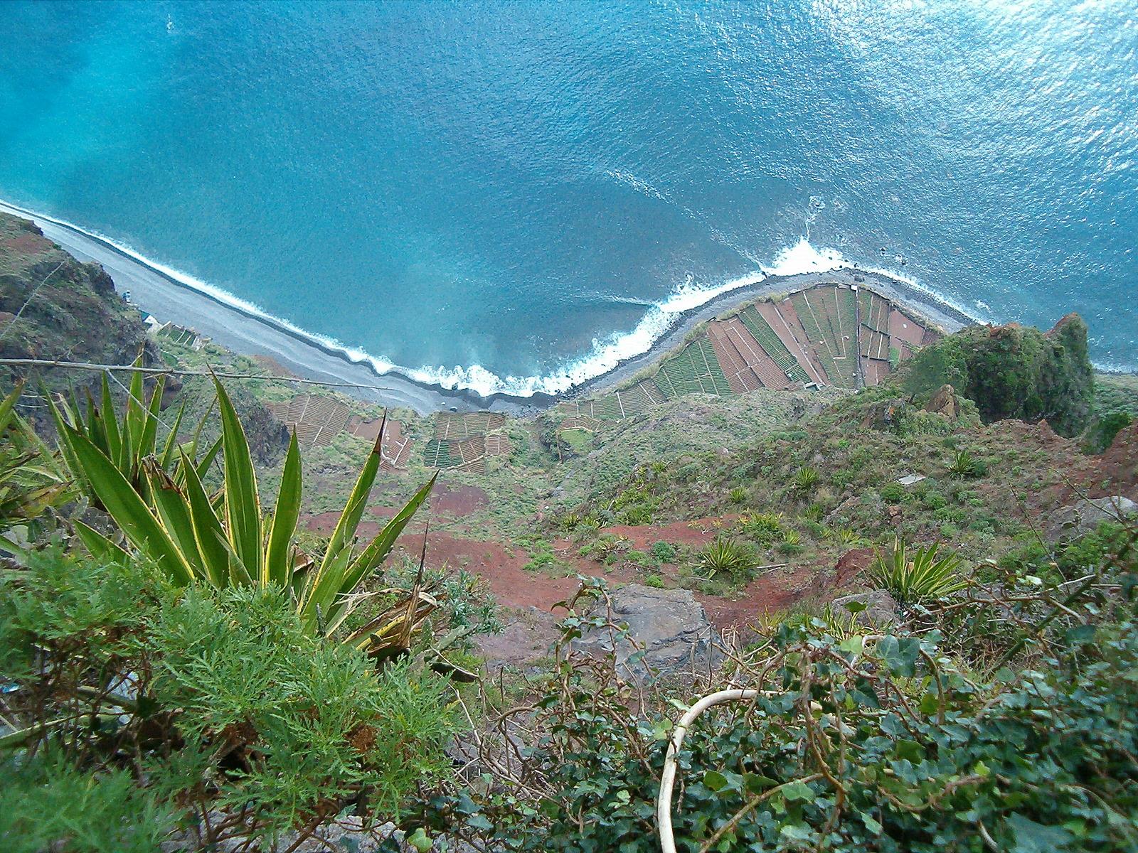 Funchal_Madeira_travelhacker
