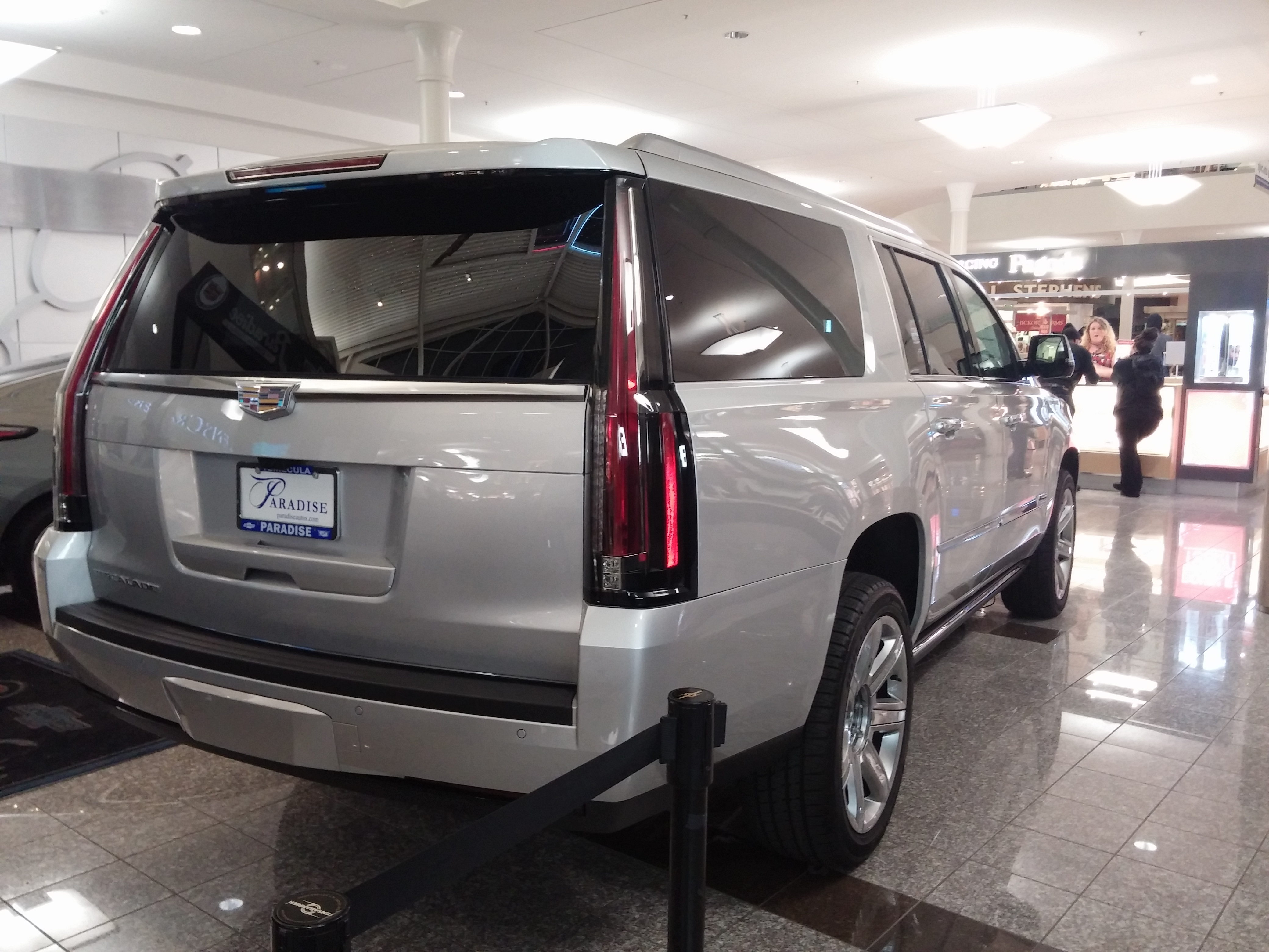 File Cadillac Escalade Suv Jpg Wikimedia Commons