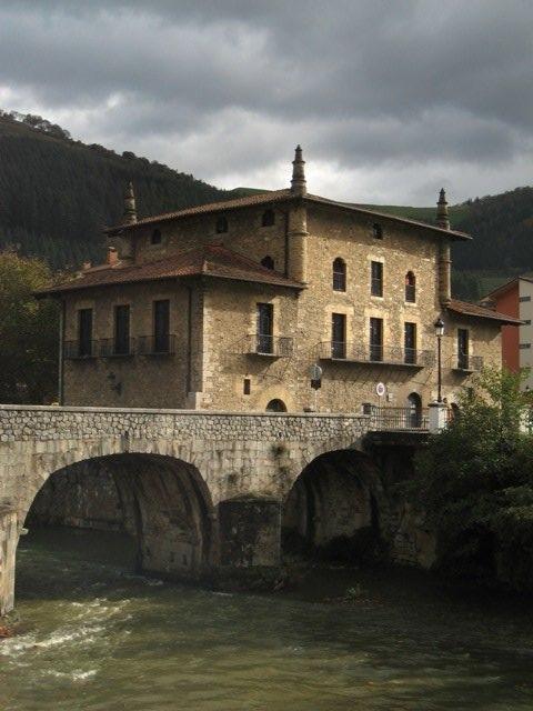 Nobleza Española - Página 20 Casa_-Torre_y_Palacio_de_Emparan
