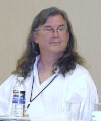 Charles Vess at FaerieCon 2009 Pic A.jpg