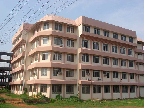 File college of engineering chengannur main for What type of engineer designs buildings