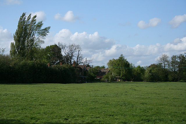 File:Cropredy, by Cropredy Bridge - geograph.org.uk - 1297392.jpg