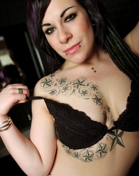 File Esmerelda The Suicide Girl Shows Her Tattoos Jpg Wikimedia