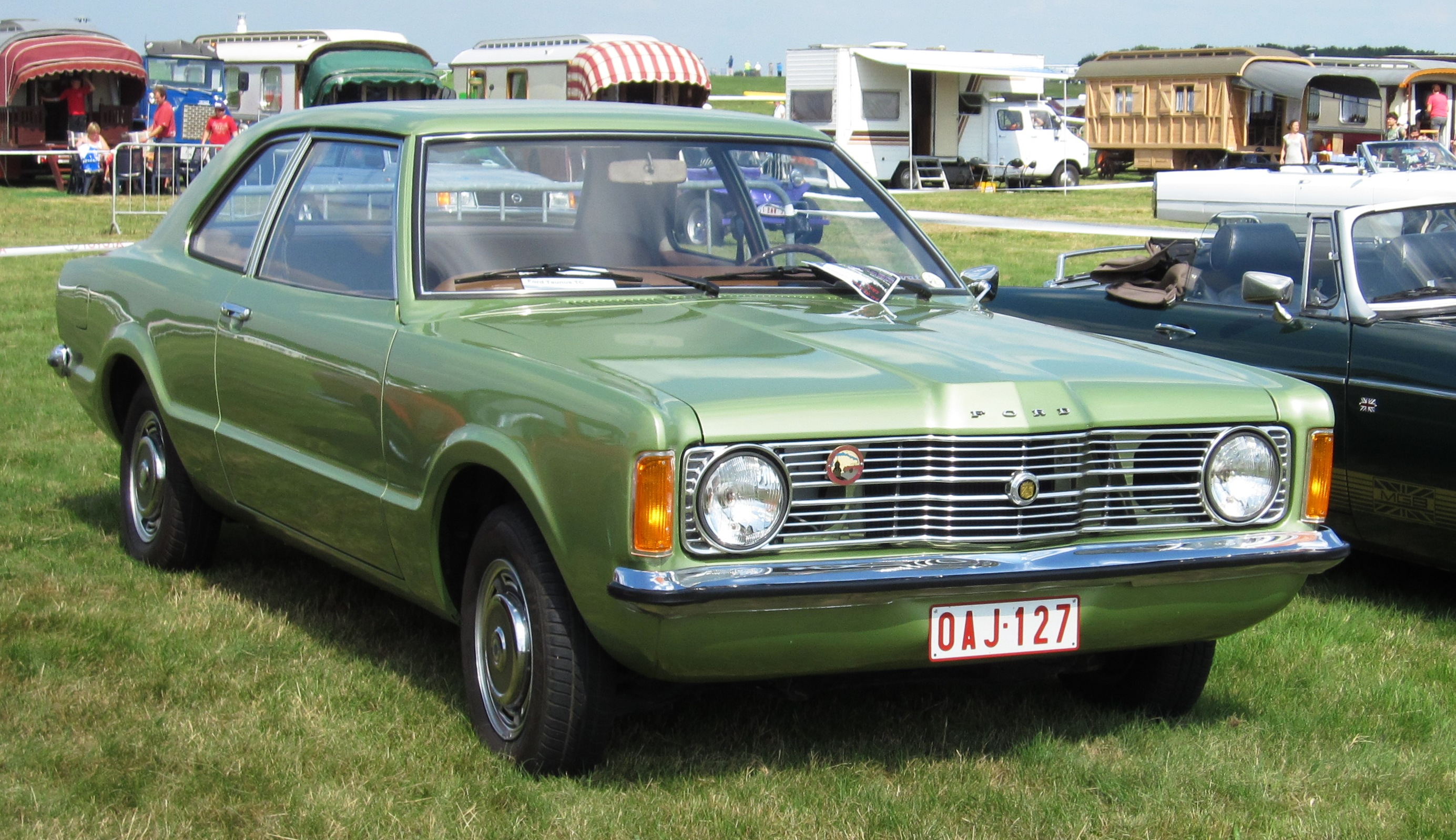 Description Ford Taunus 1.3 TC ca 1974 Schaffen-Diest 2012.jpg
