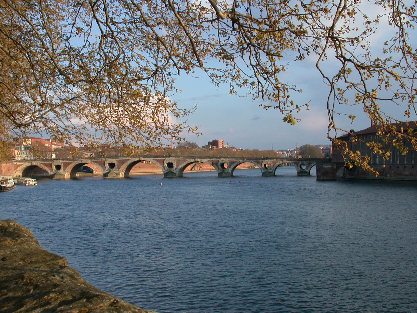 File:Garonne TOULOUSE.jpg - Wikimedia Commons