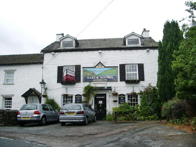 Hare and Hounds, Bowland Bridge - geograph.org.uk - 872739