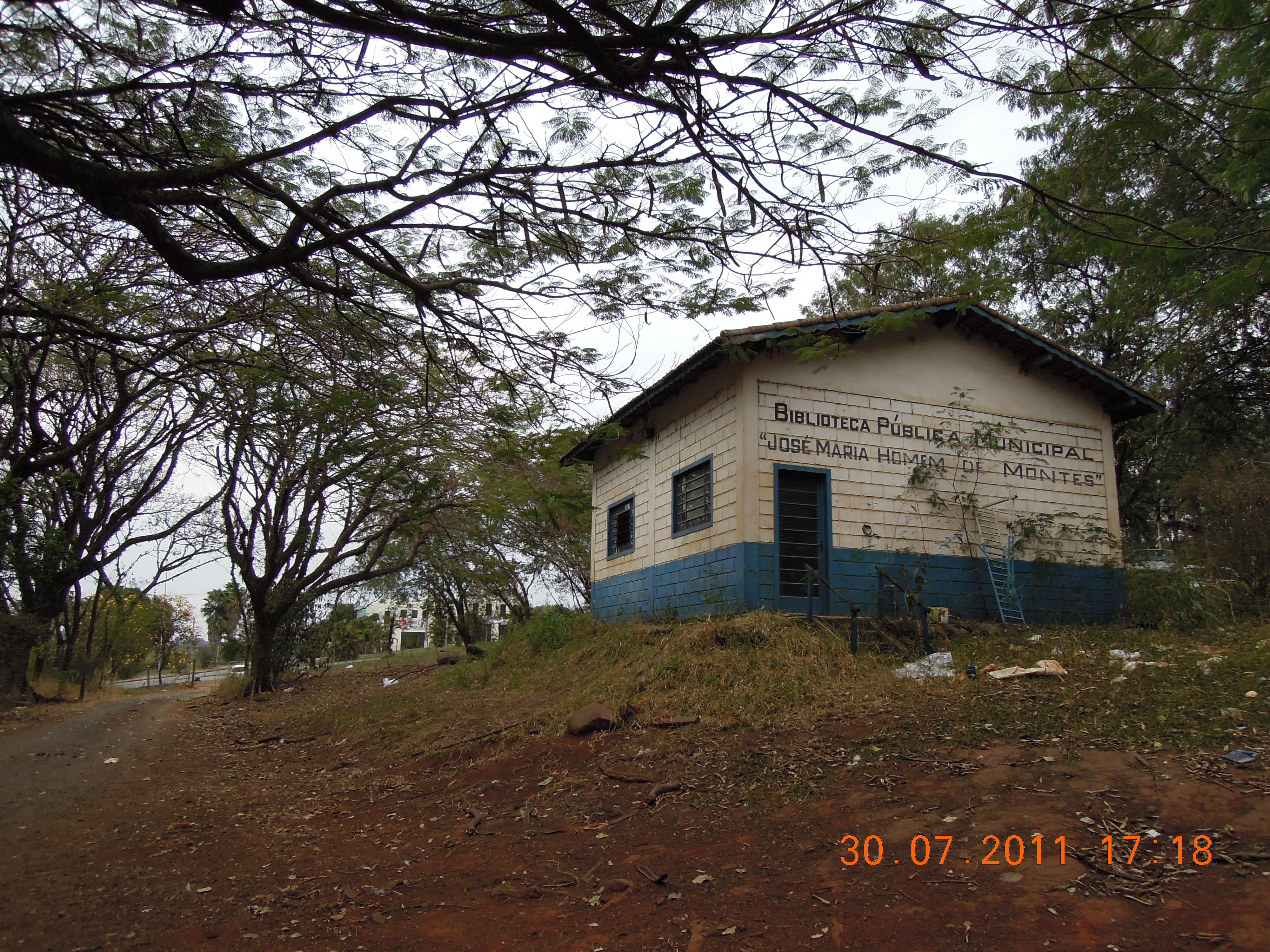 662211fd4 File Holambra - antiga Escola São Paulo - biblioteca municipal José Maria  Homem de Montes - panoramio.jpg