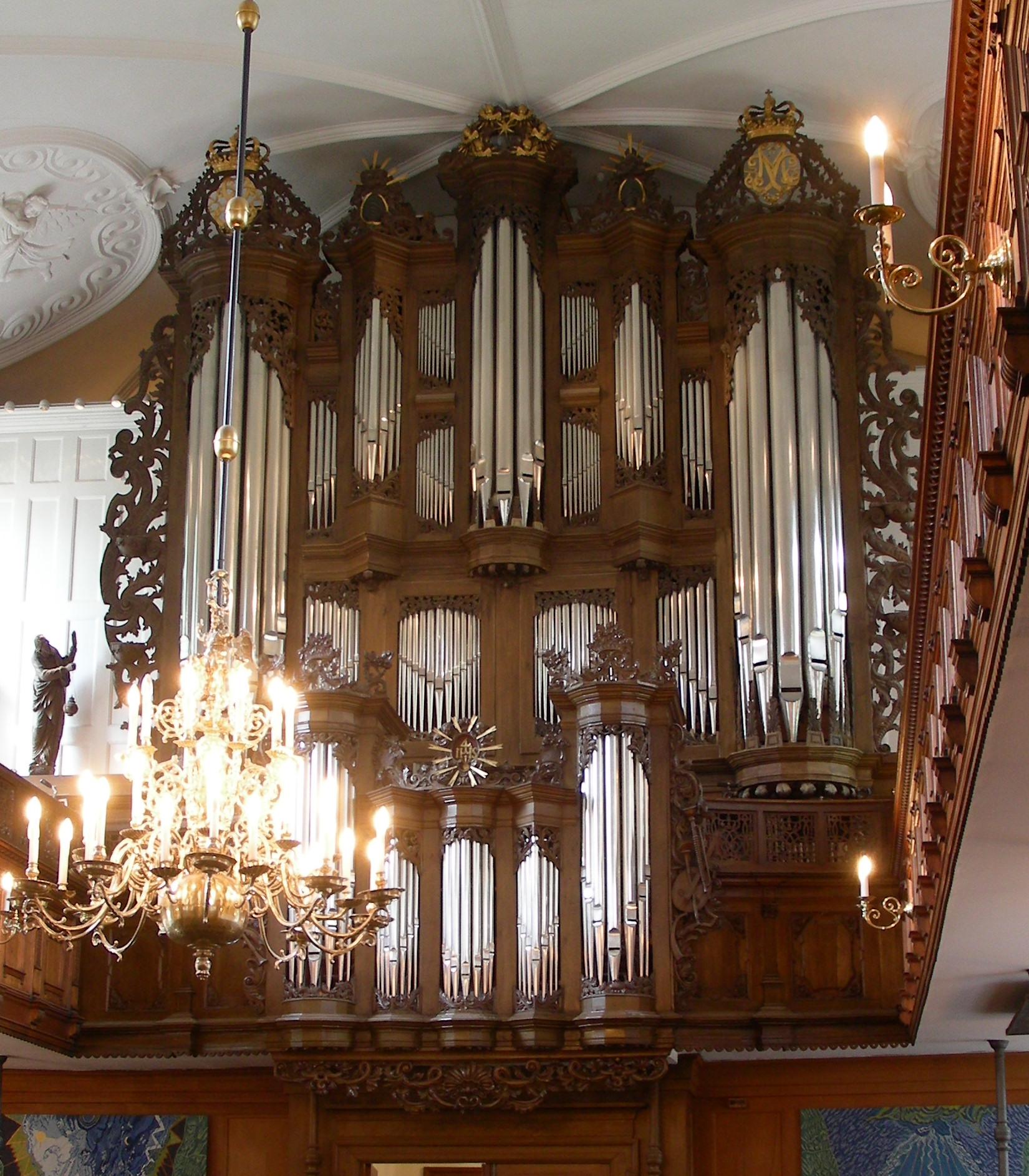 File:Holmens Kirke Copenhagen organ.jpg - Wikimedia Commons