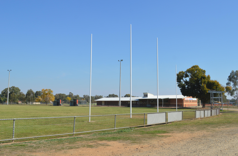 Howlong Australia  city photos : Howlong Australian Rules Football Ground 001 Wikimedia ...