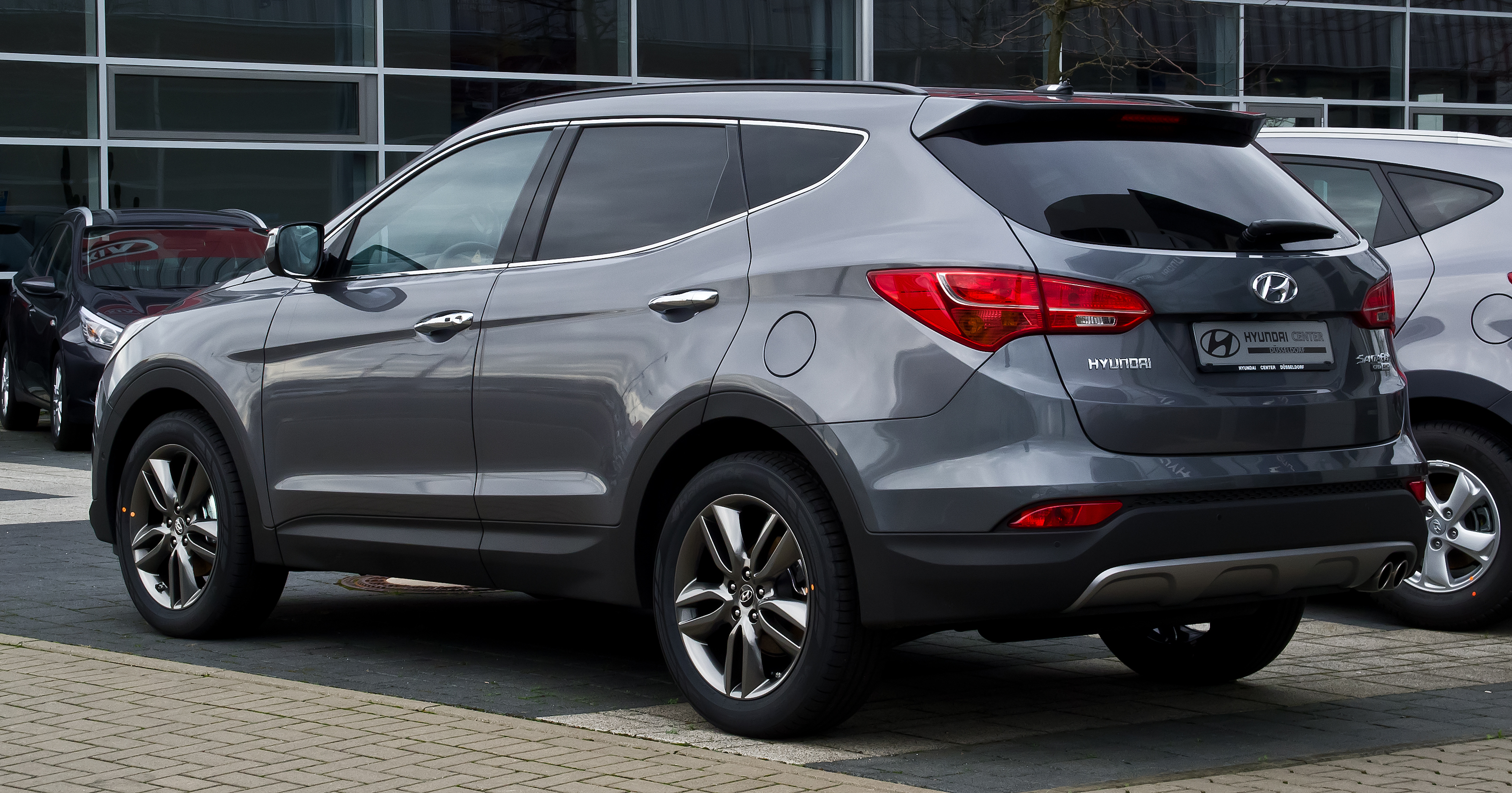 File:Hyundai Santa Fe 2.2 CRDi 4WD Premium (III) – Heckansicht, 31