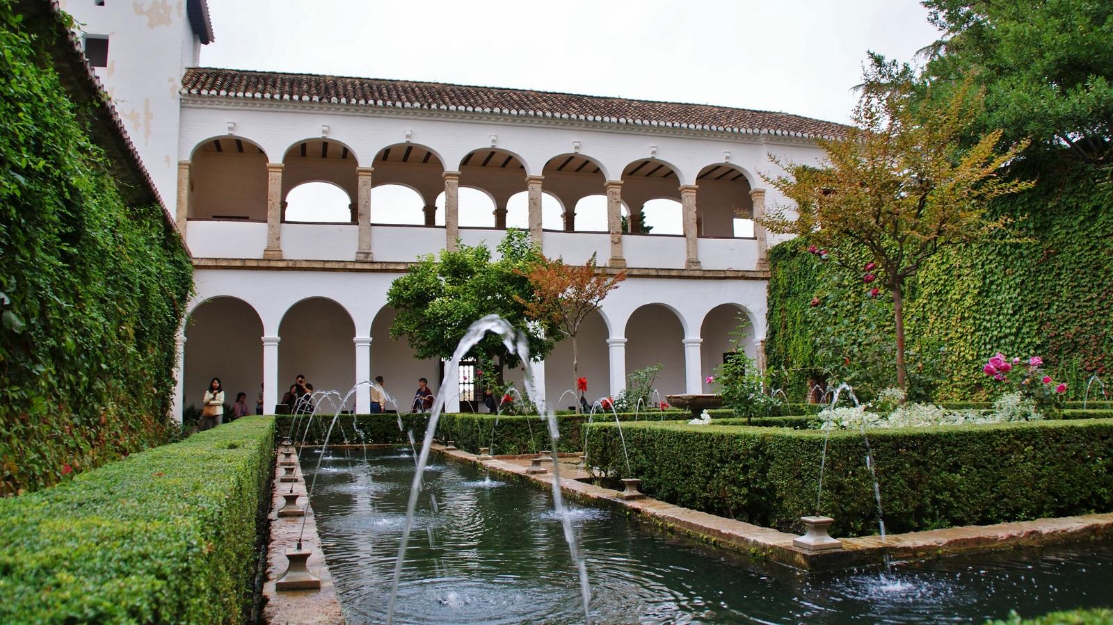 File jardines del generalife granada 36 jpg wikimedia for Jardines nazaries