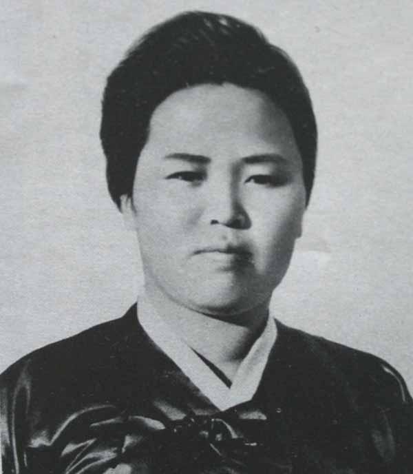 Kim_Jeong_Suk_1.jpg