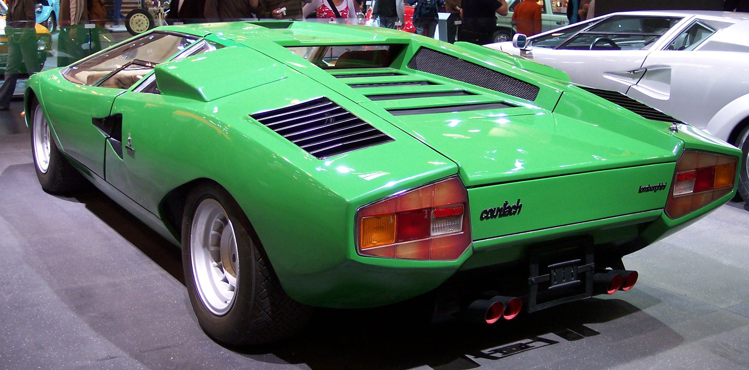 File Lamborghini Countach Green Hl Tce Jpg Wikimedia Commons