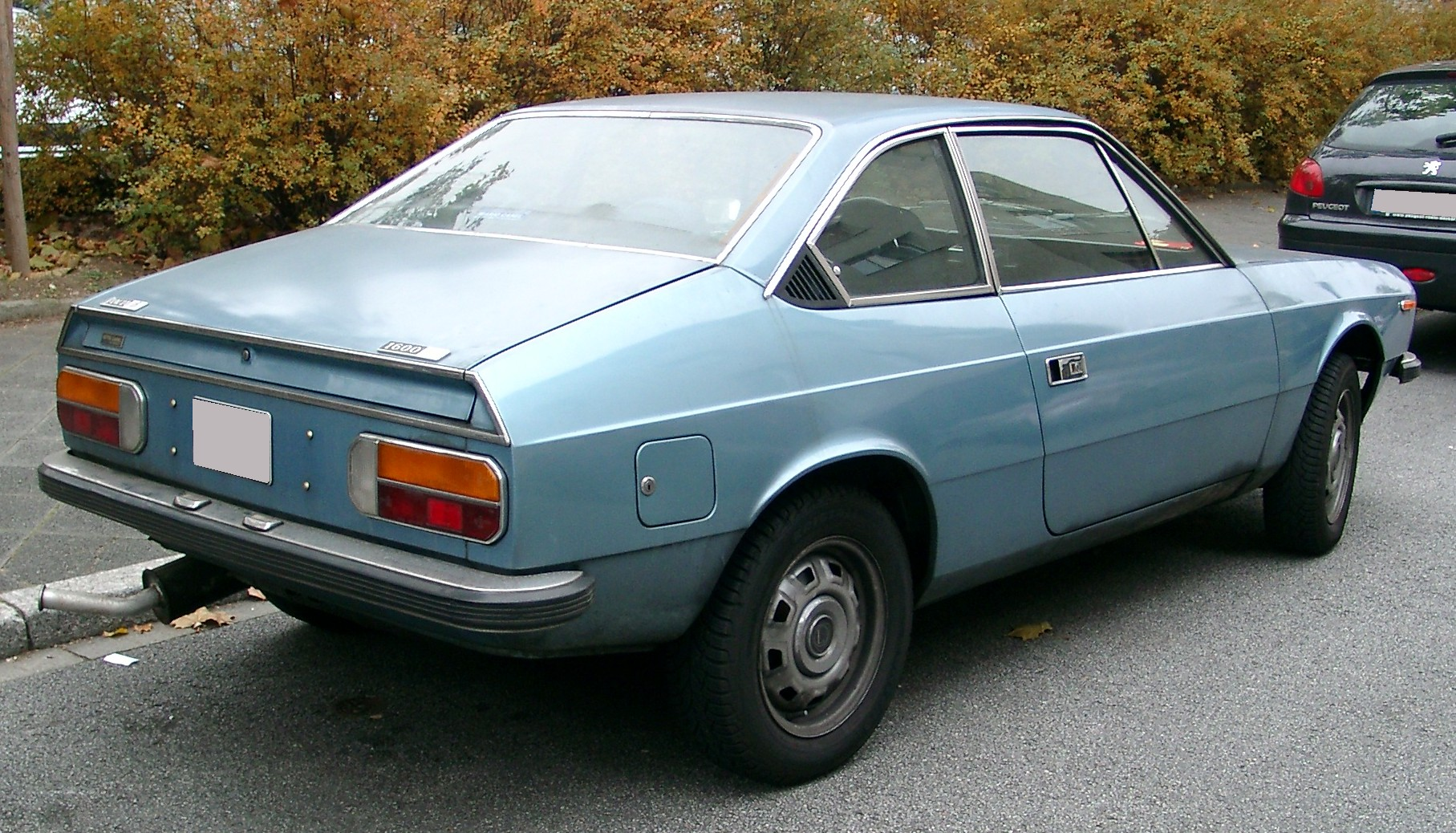 http://upload.wikimedia.org/wikipedia/commons/d/d3/Lancia_Beta_1600_Coupe_rear_20071102.jpg