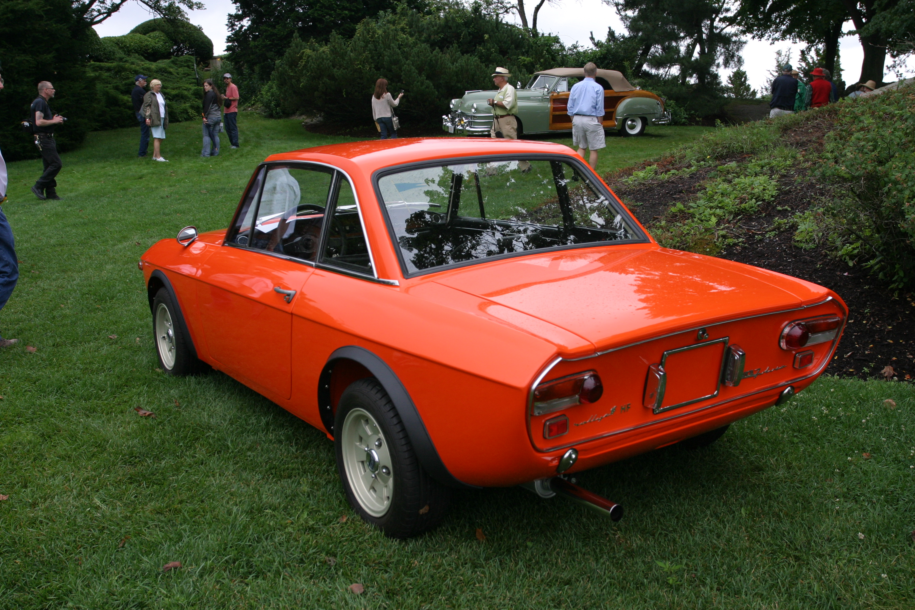 http://upload.wikimedia.org/wikipedia/commons/d/d3/Lancia_Fulvia_HF_Fanalone_1970_-_2.jpg