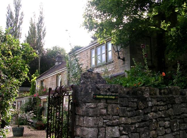 Lock Cottage - Dundas Aqueduct - geograph.org.uk - 942390