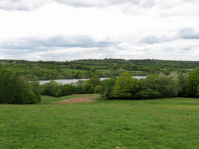 Looking Towards Darwell Reservoir - geograph.org.uk - 1286178