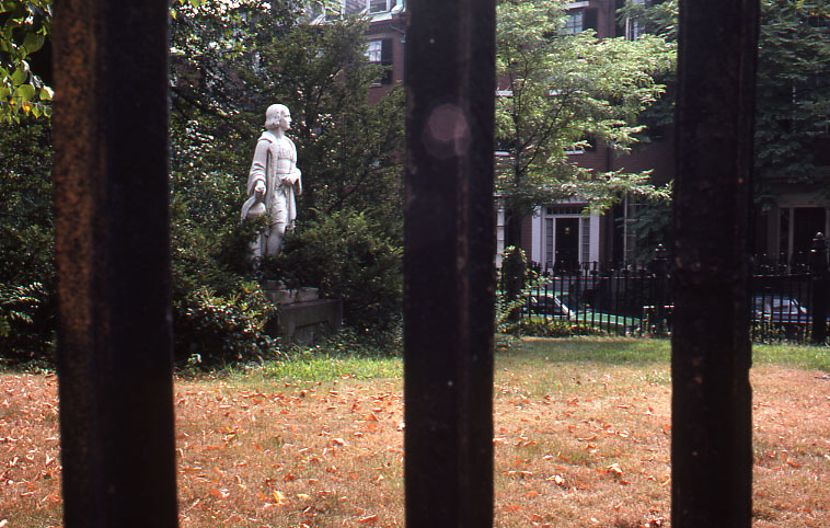 File:Louisburg Square, Beacon Hill (8610211772).jpg