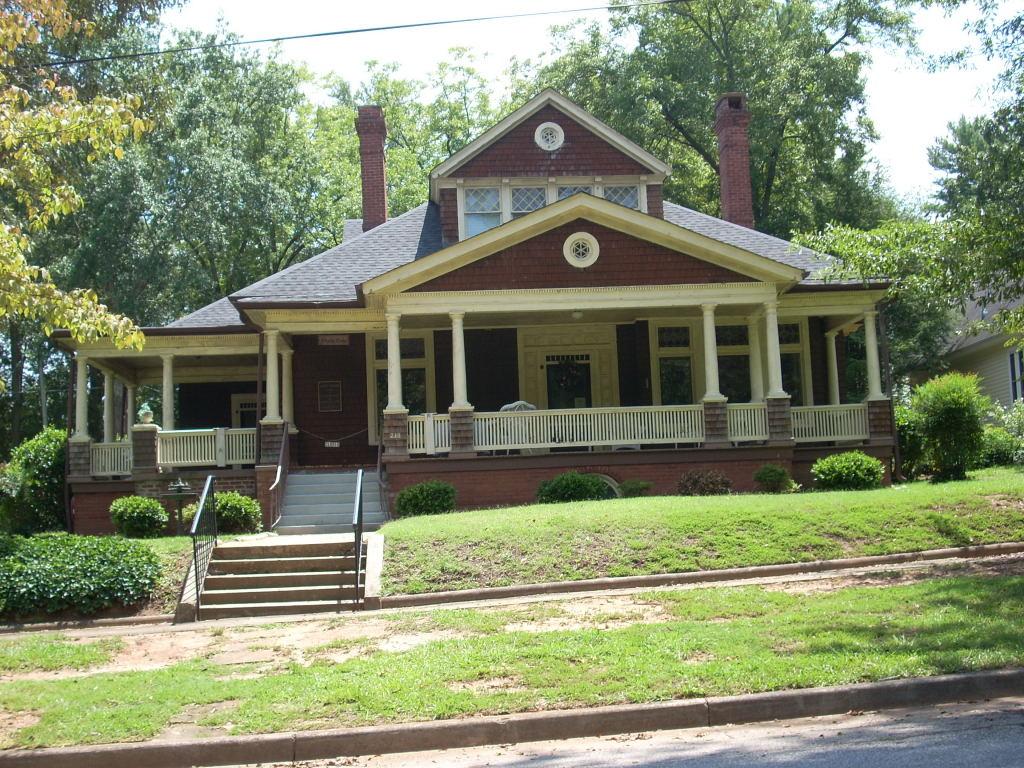 What Is A Craftsman Style House Seneca Historic District Seneca South Carolina Wikipedia